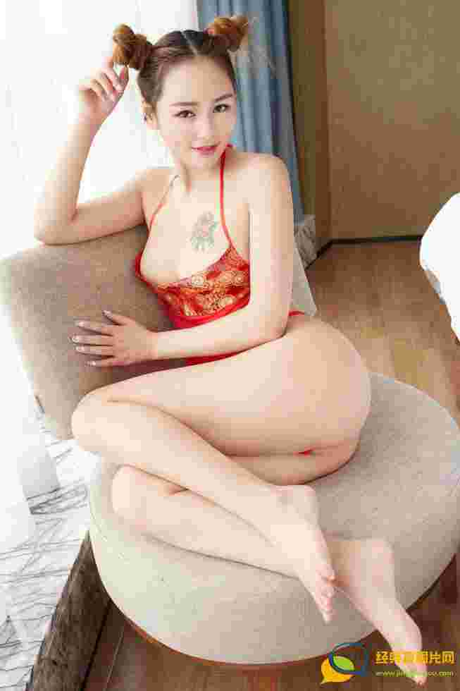 性感火辣娇艳丁字裤美女李宝宝红色肚兜尽显诱惑妩媚迷人写真