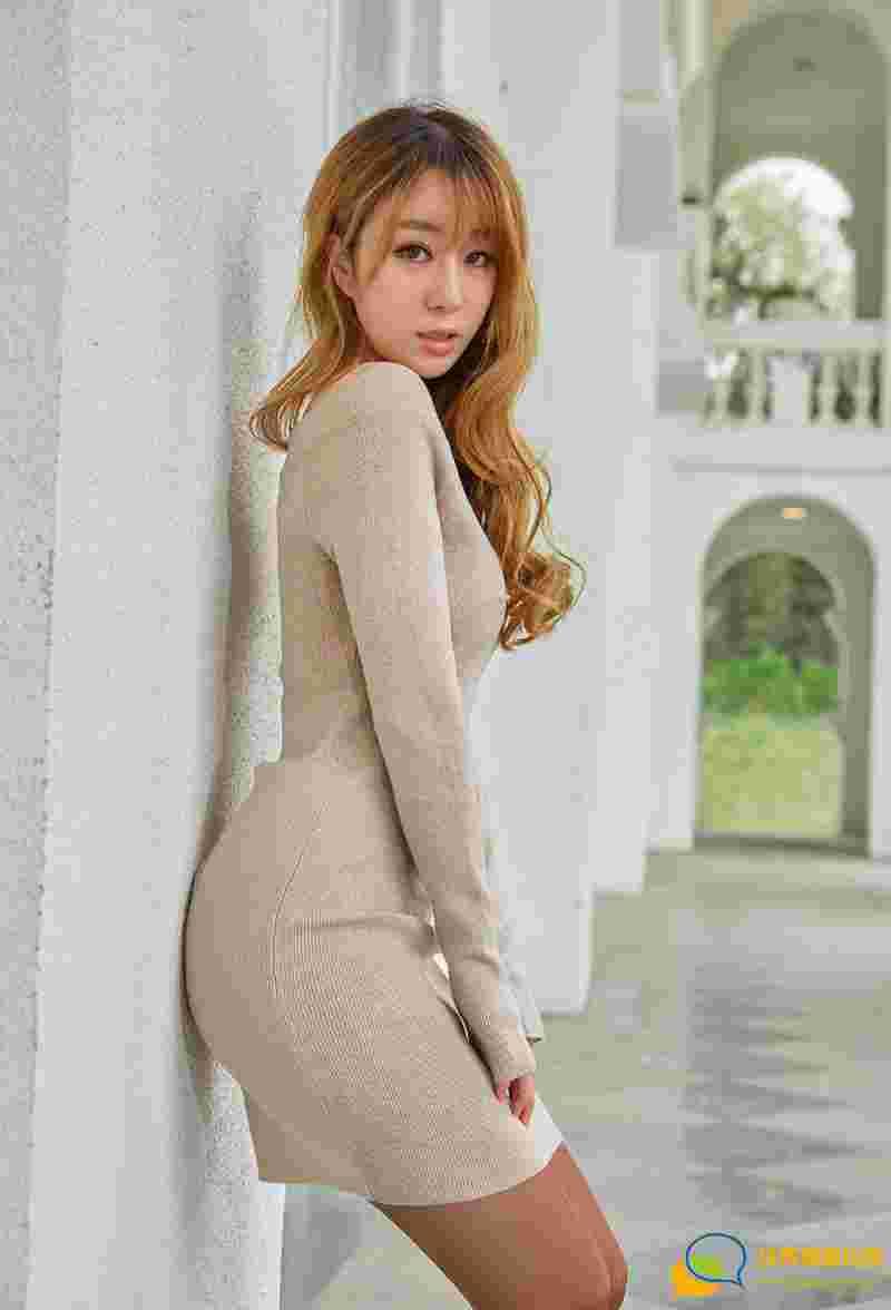 美腿宝贝王语纯傲人身材性感黑丝袜诱惑写真