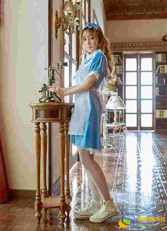 女神王语纯性感女仆装超薄肉丝诱惑翘臀写真
