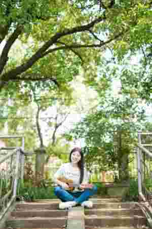 长发秀丽阳光少女温馨粉嫩俏皮甜美写真