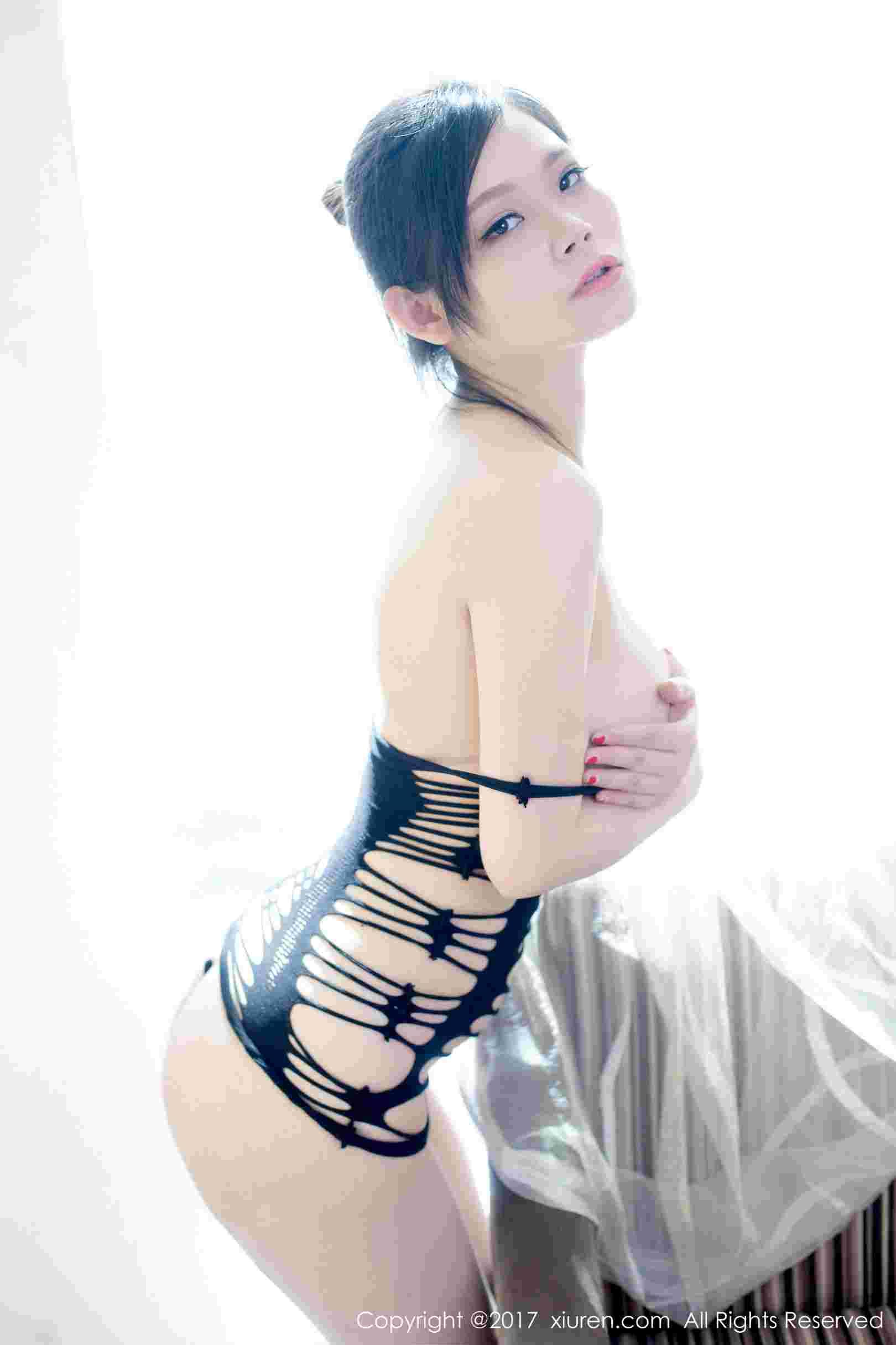 黎美儿Cici - 白嫩酥胸嫩模写真图片