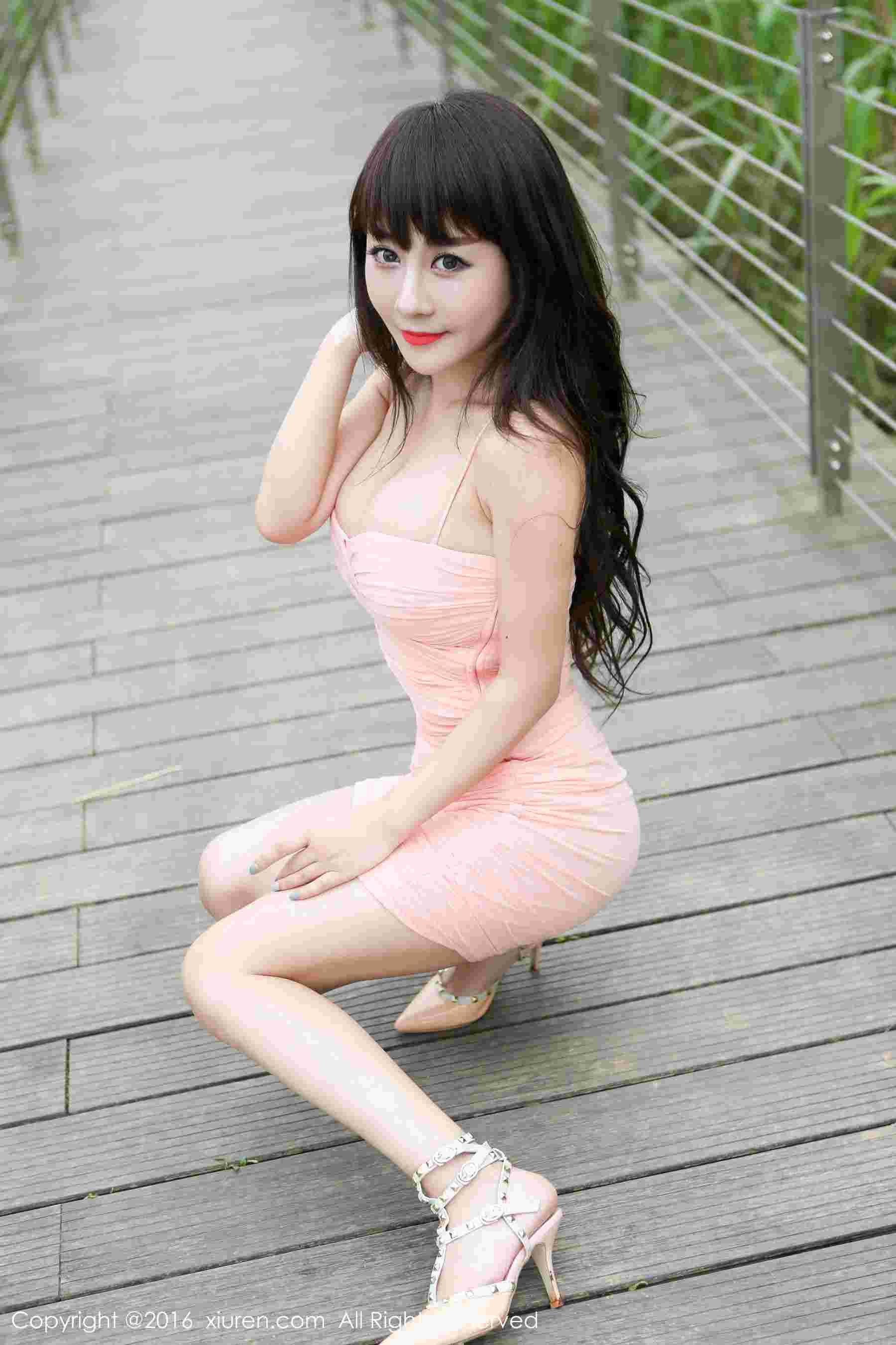 爆乳模特@陈巧蓓首套性感写真