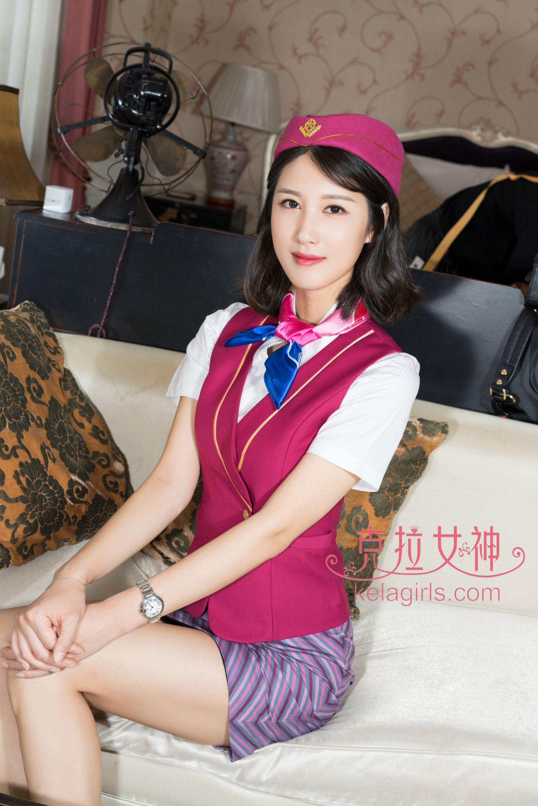 王睿《头等舱服务》空姐制服写真图片