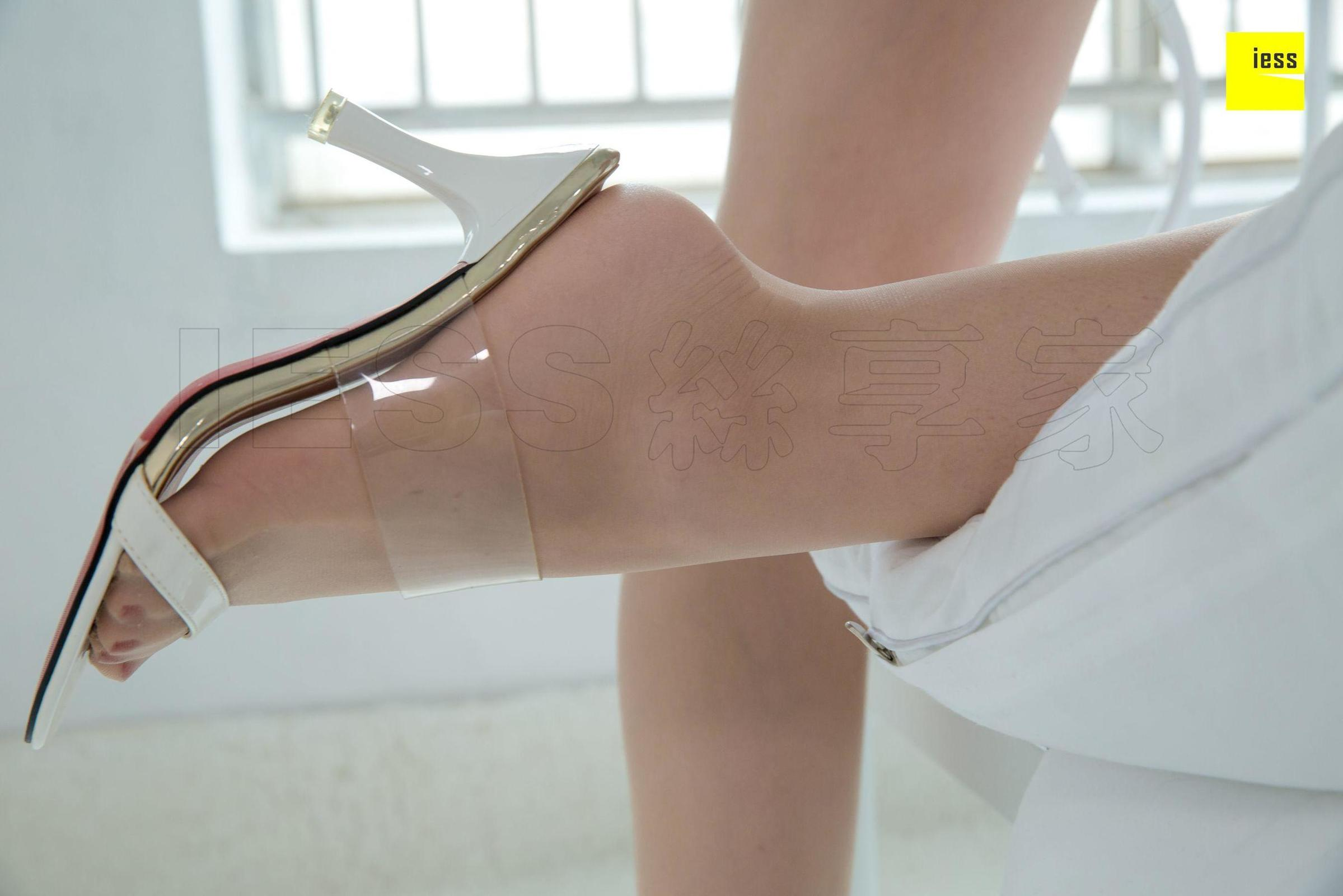 名利姐 《足模模板名利姐》丝袜美腿写真套图