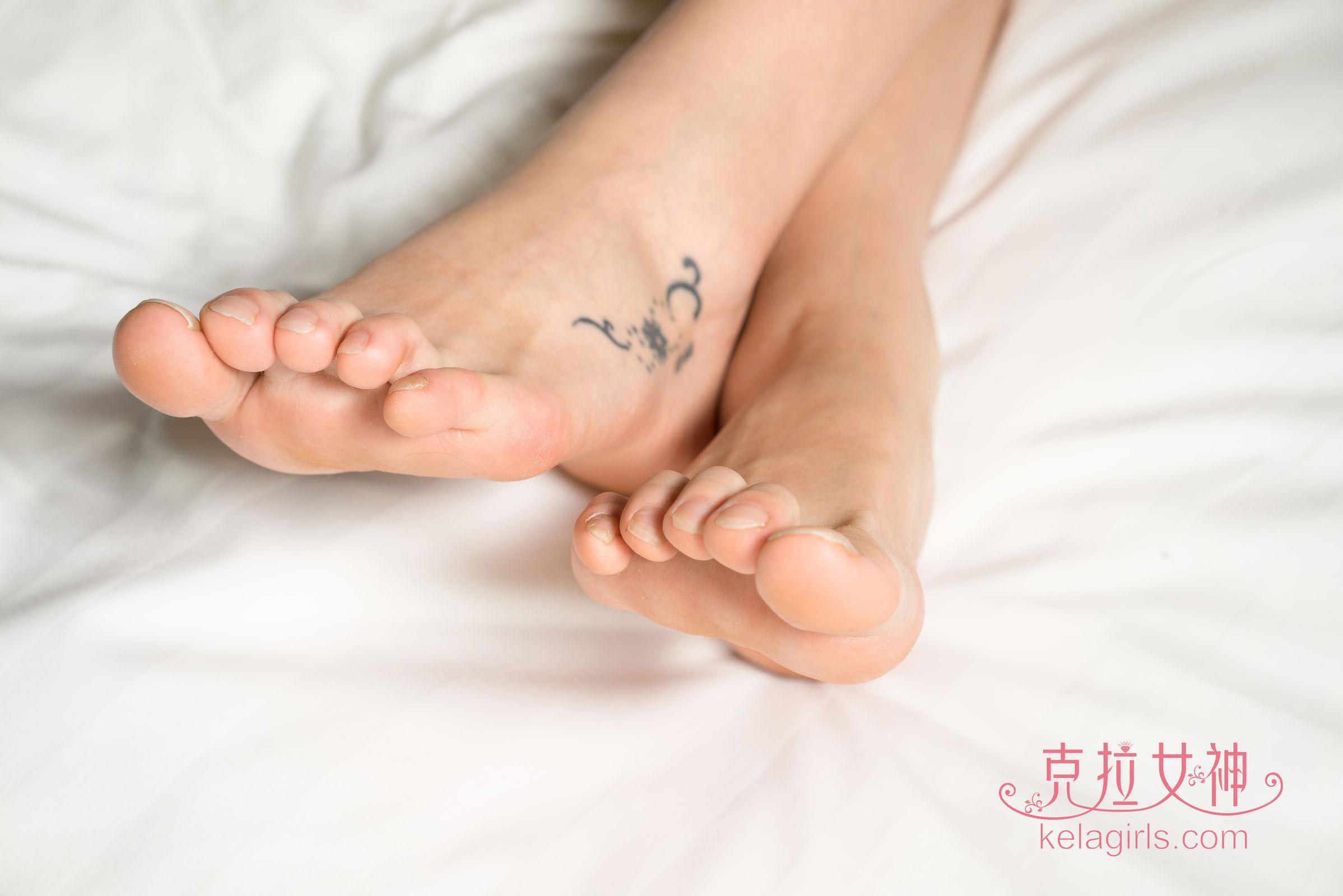 小萱 - 轻移莲步 美足写真