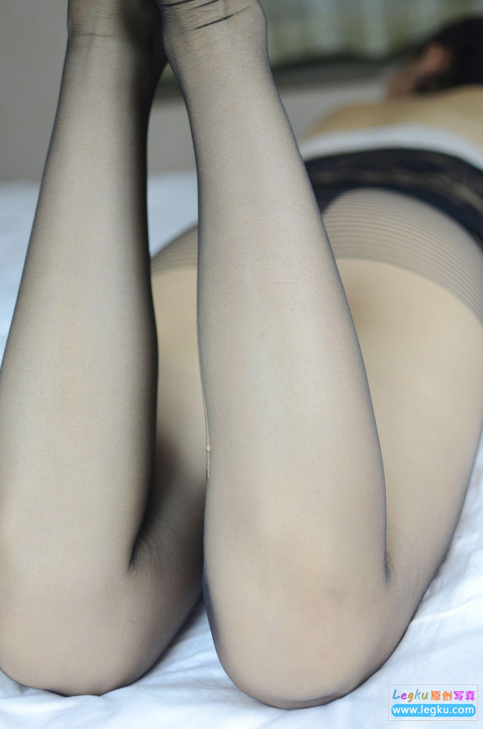 透视蕾丝+黑丝丝足 写真套图