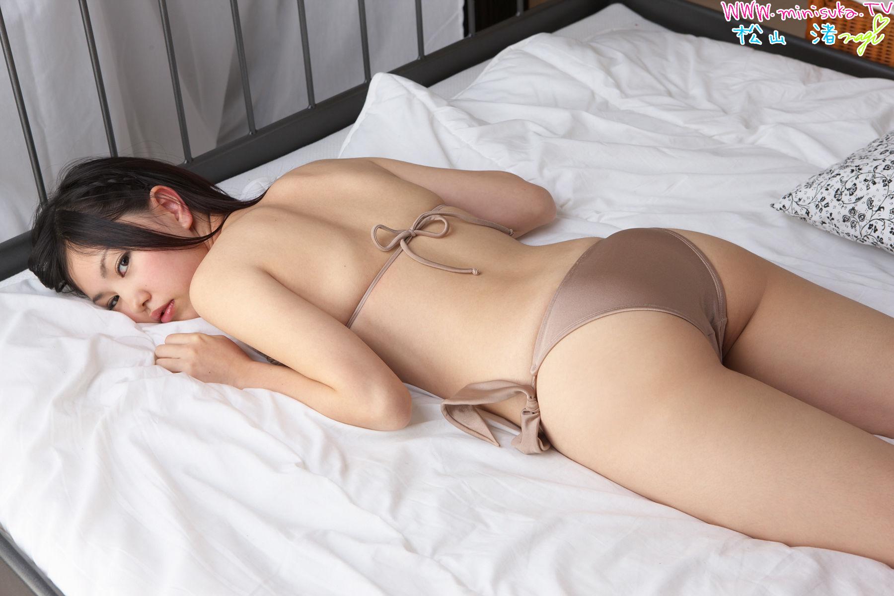 松山渚 - 床拍比基尼