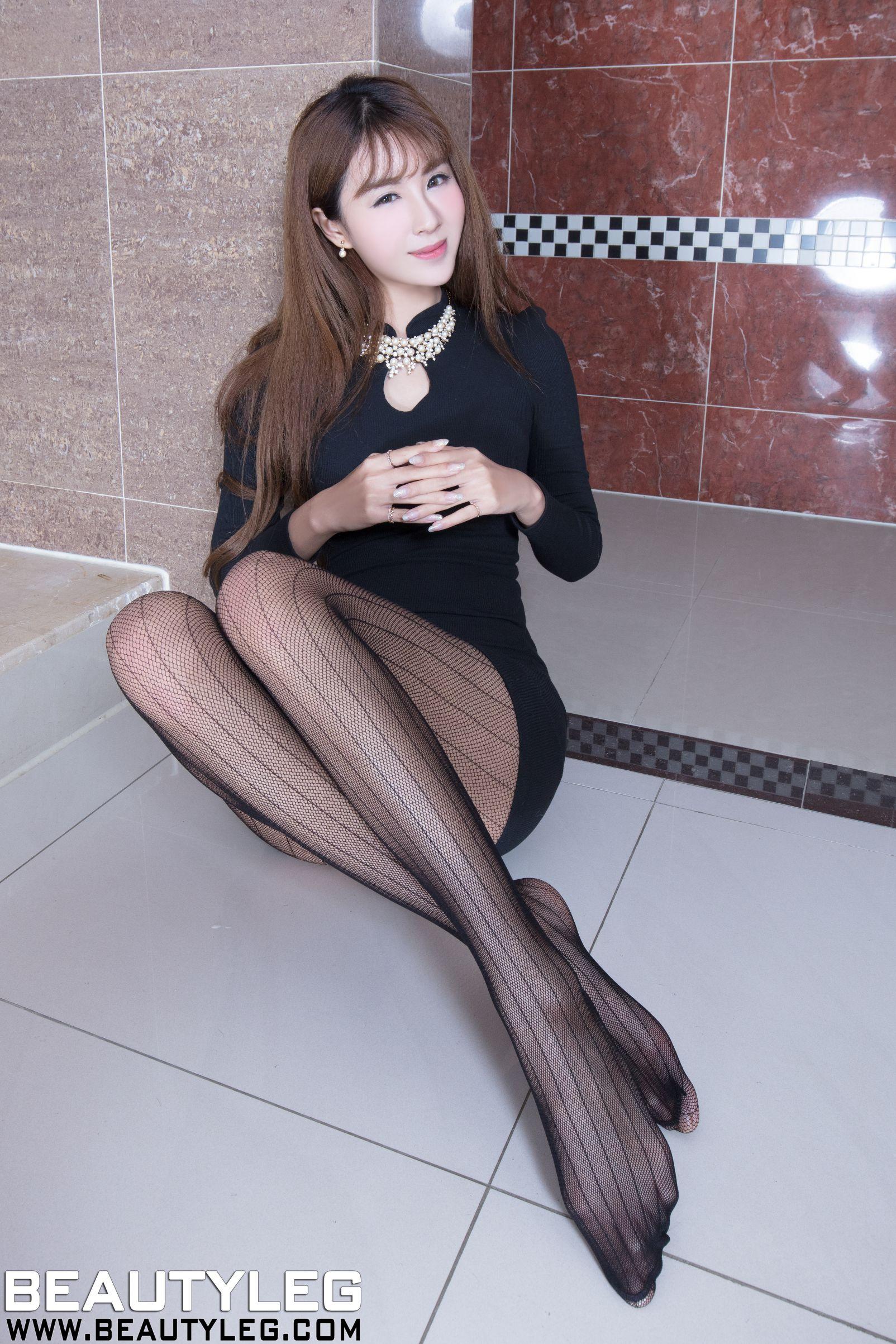 夏晴Miso 制服+旗袍丝袜美腿写真套图