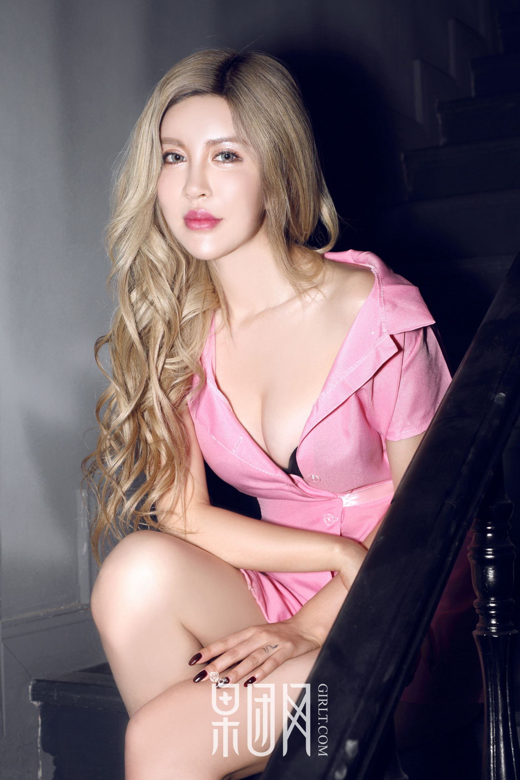 张琳熙 - 金发混血美女 写真套图