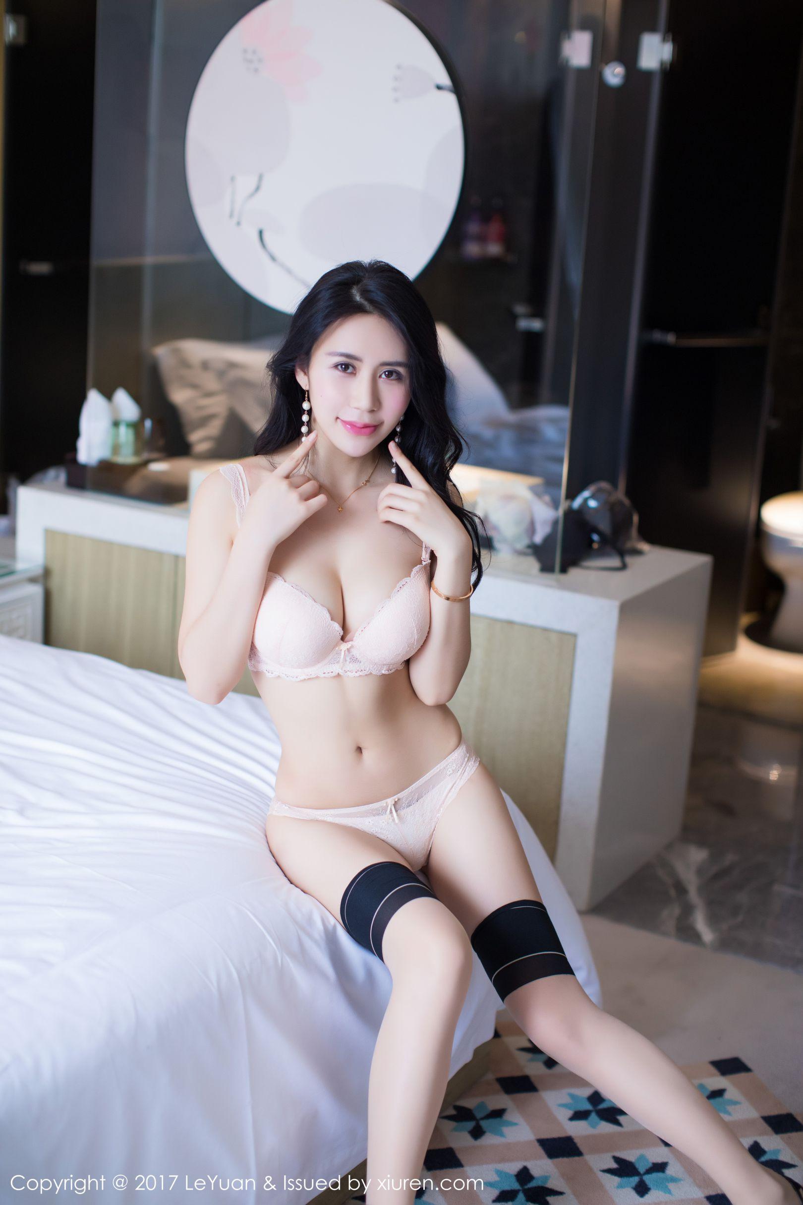 紫棋 - 丝袜美腿诱惑系列
