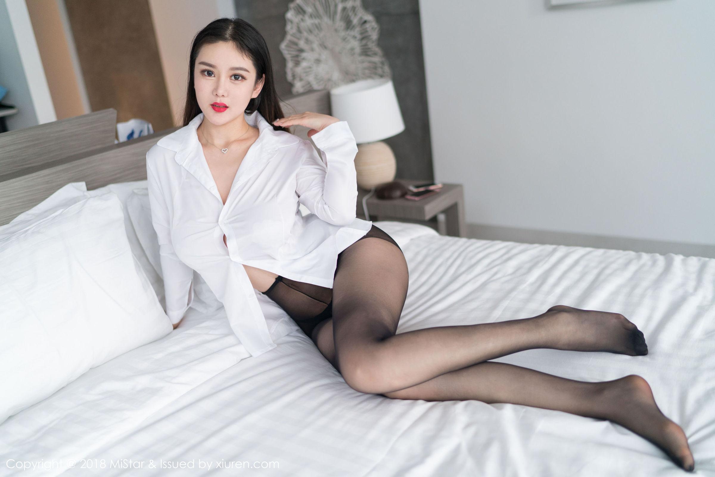 易阳Silvia - 吉普岛黑丝写真