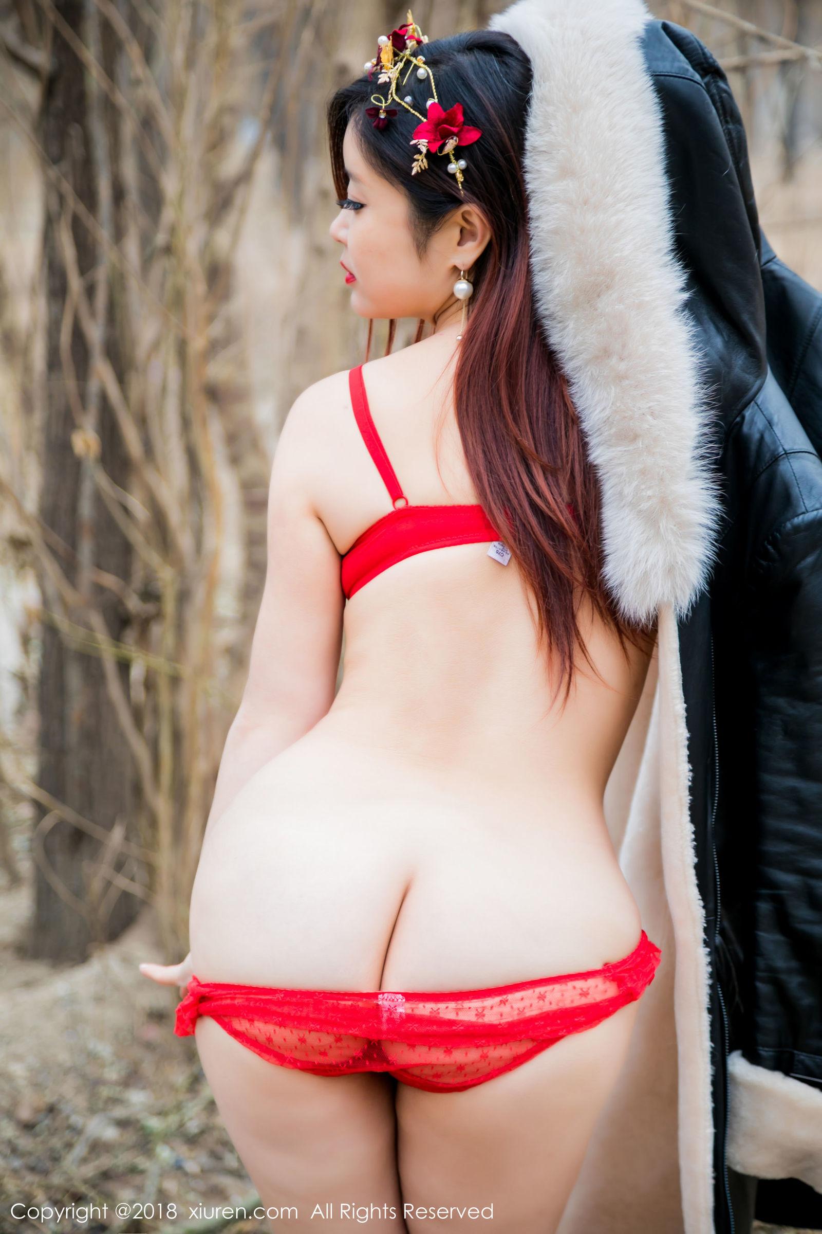 模特@西希白兔室外性感写真