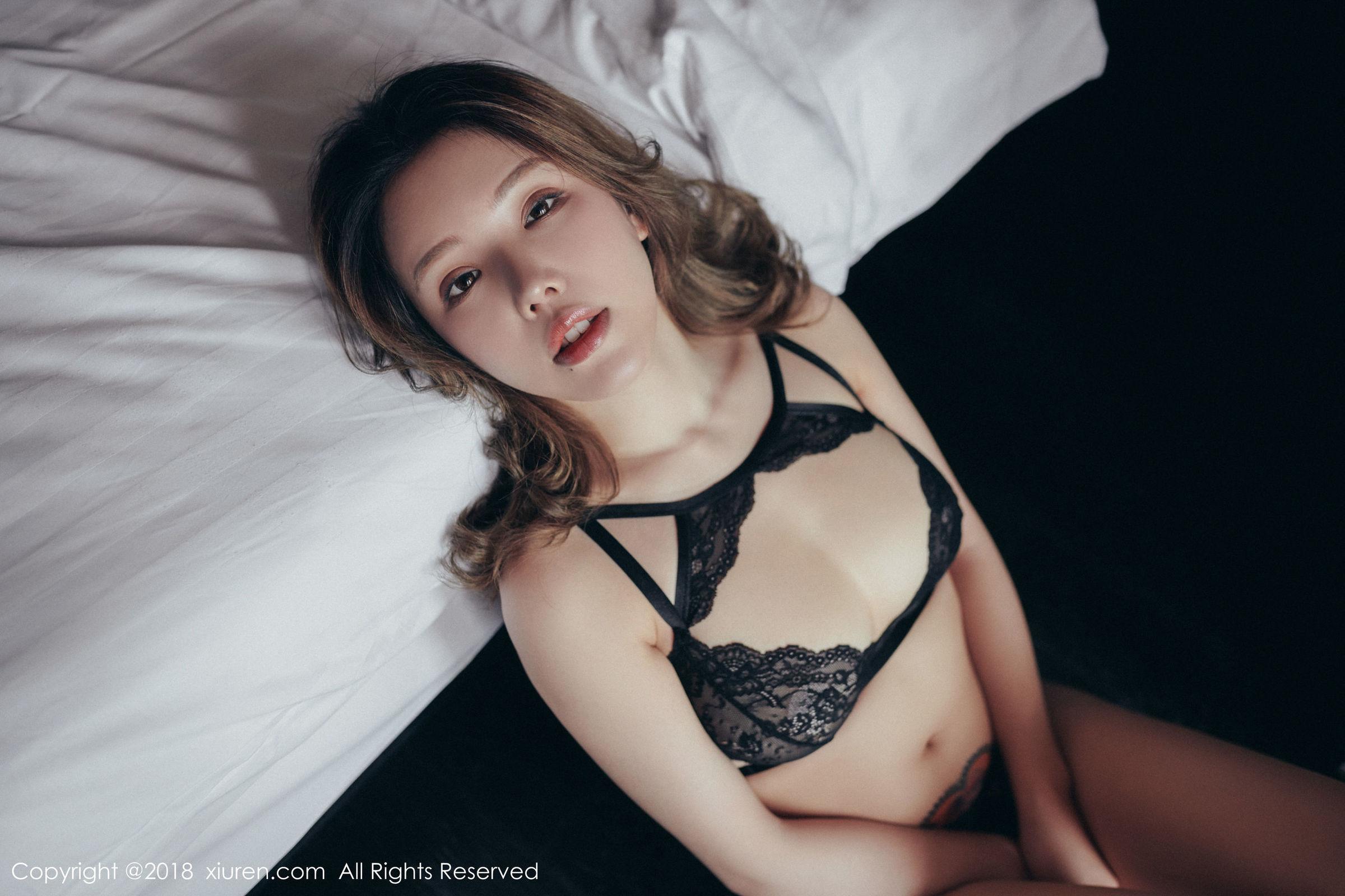 性感女神@黄楽然第二套私房写真