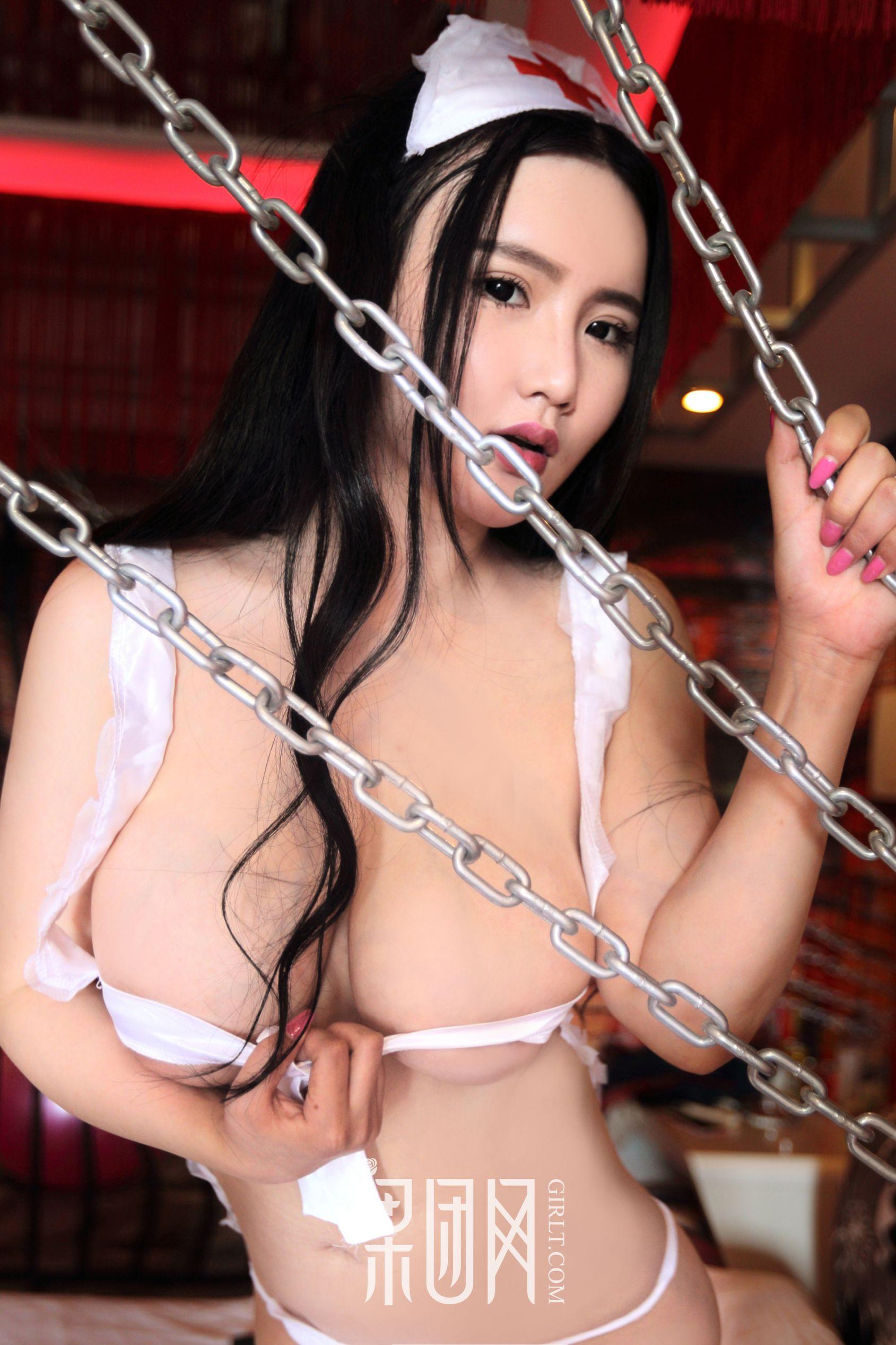 Kitty梓熙 - 真豪乳 浴室湿身激凸 写真套图