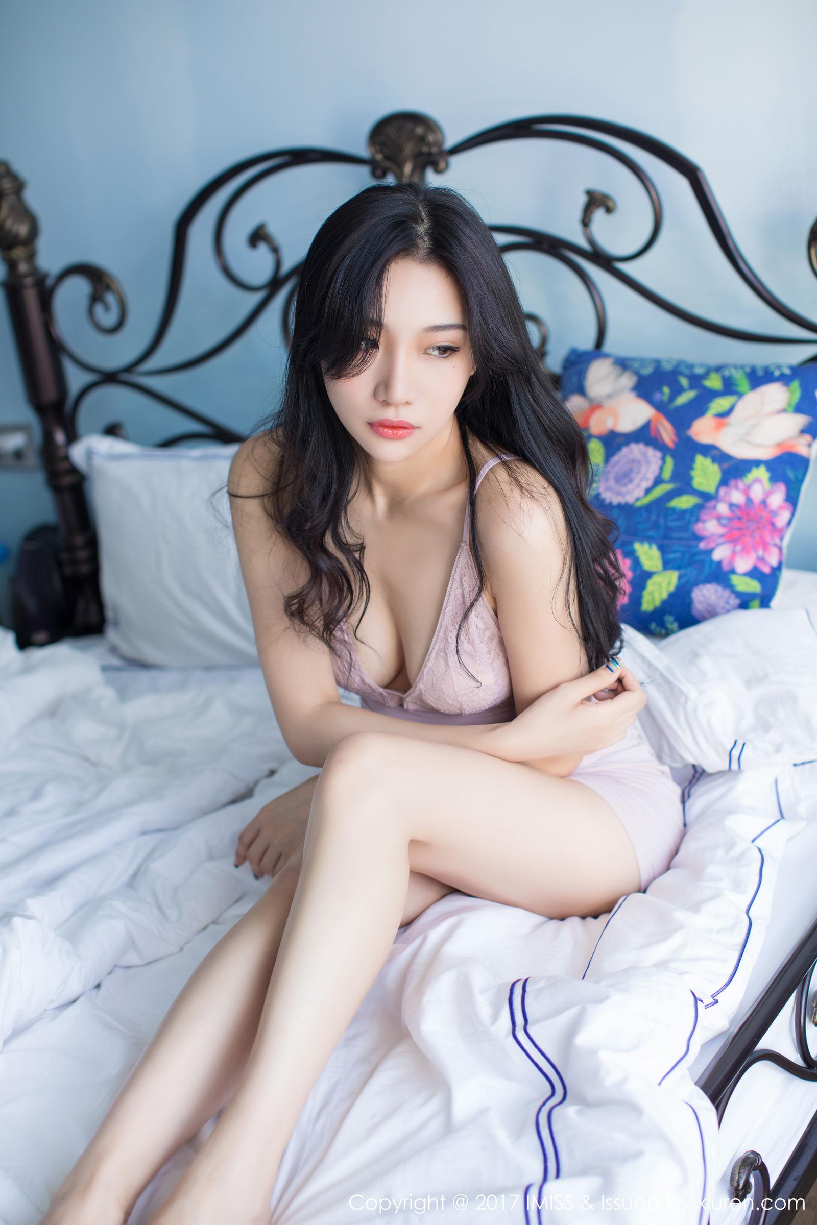 性感小狐狸Sica - 粉红私房写真套图