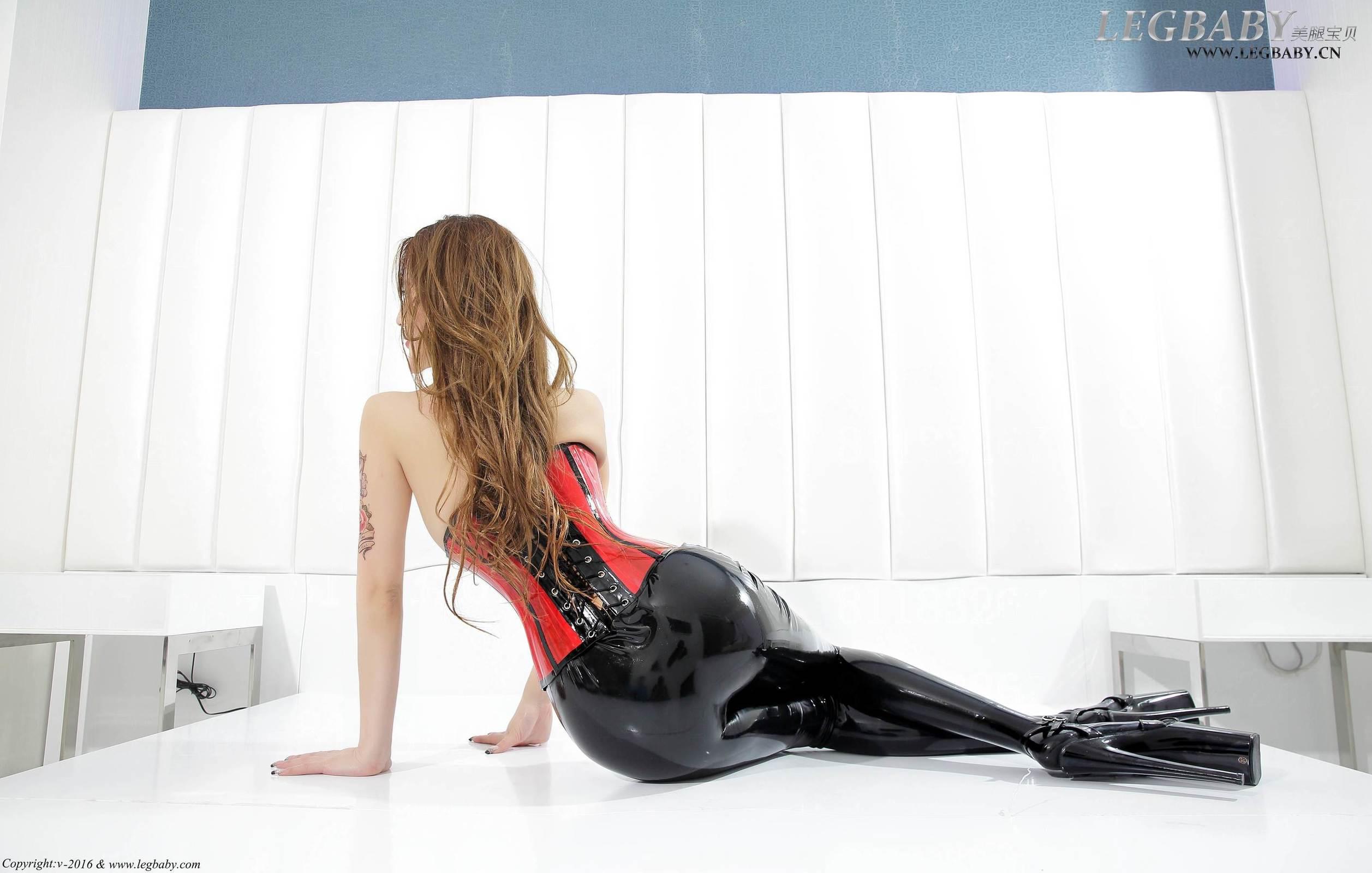 陈雅漫 - 黑色胶裤 写真套图