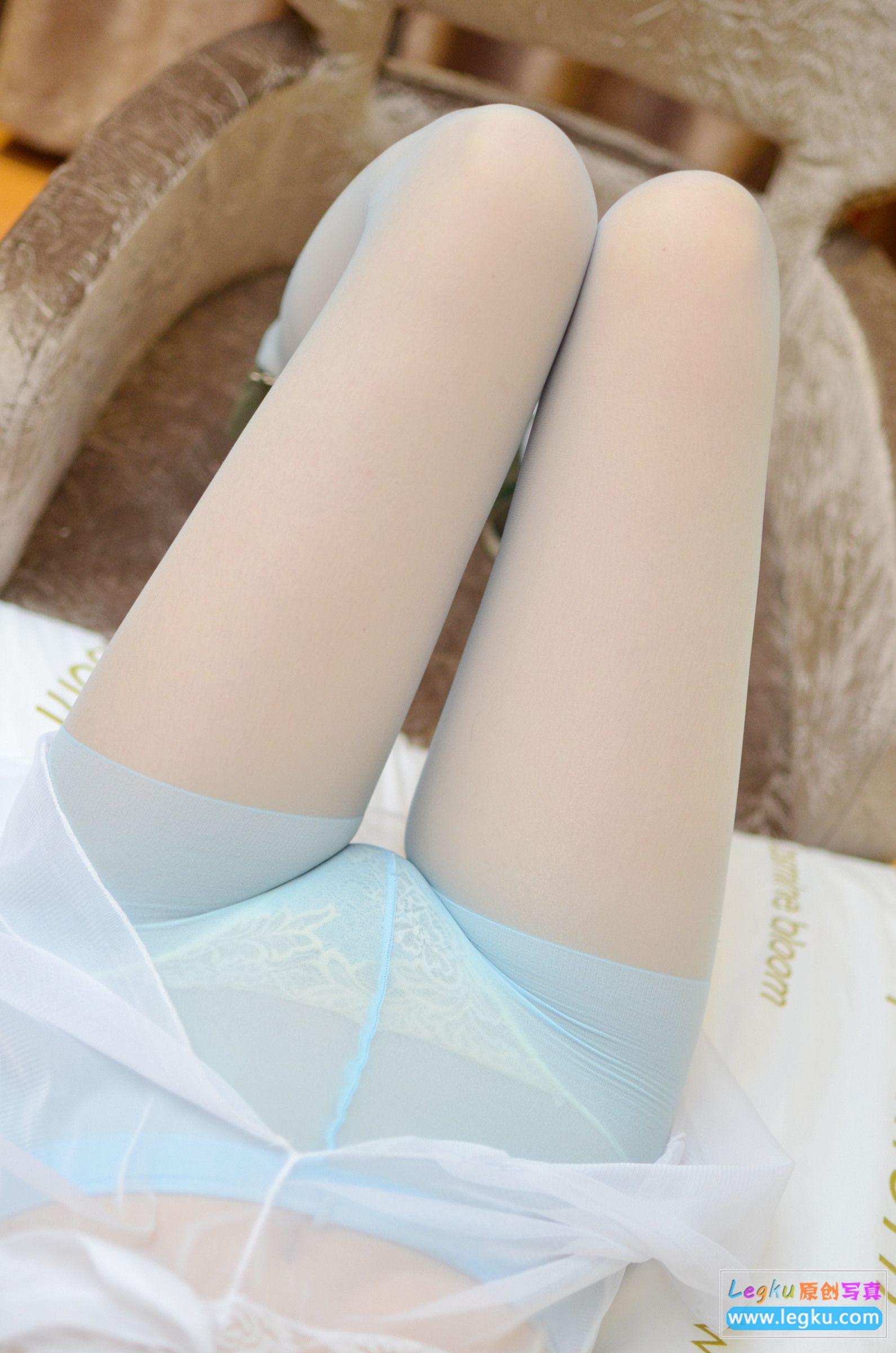 超薄蓝色丝袜丝足高跟 写真套图