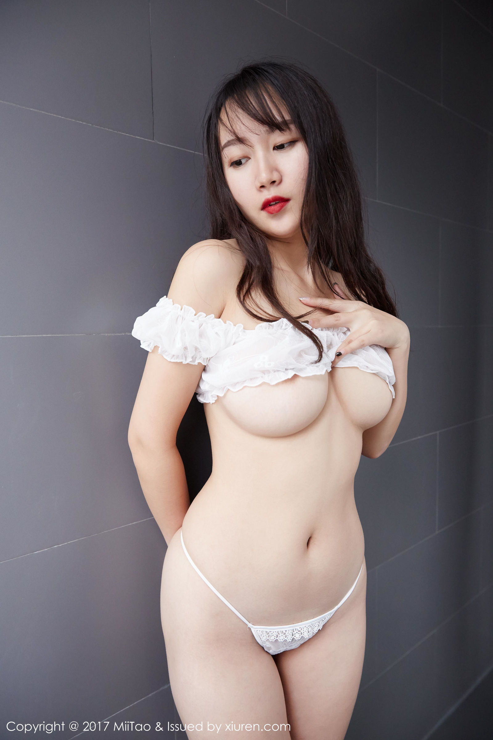雯丽 - 前凸后翘的风韵纯天然美女