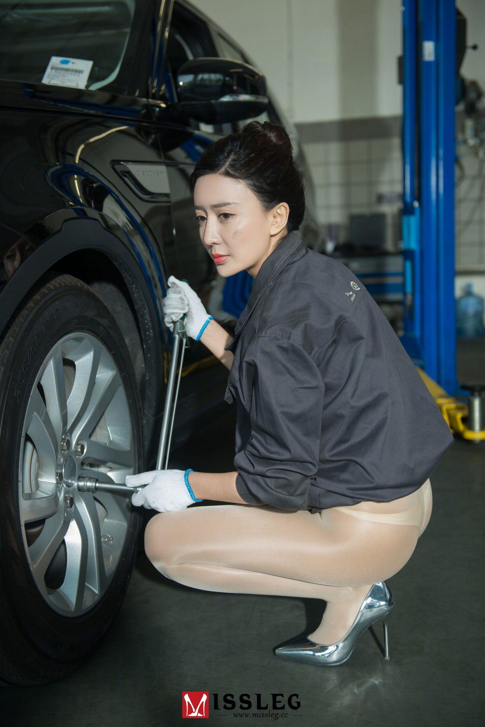赵乐瑶 - 修车体验 写真套图