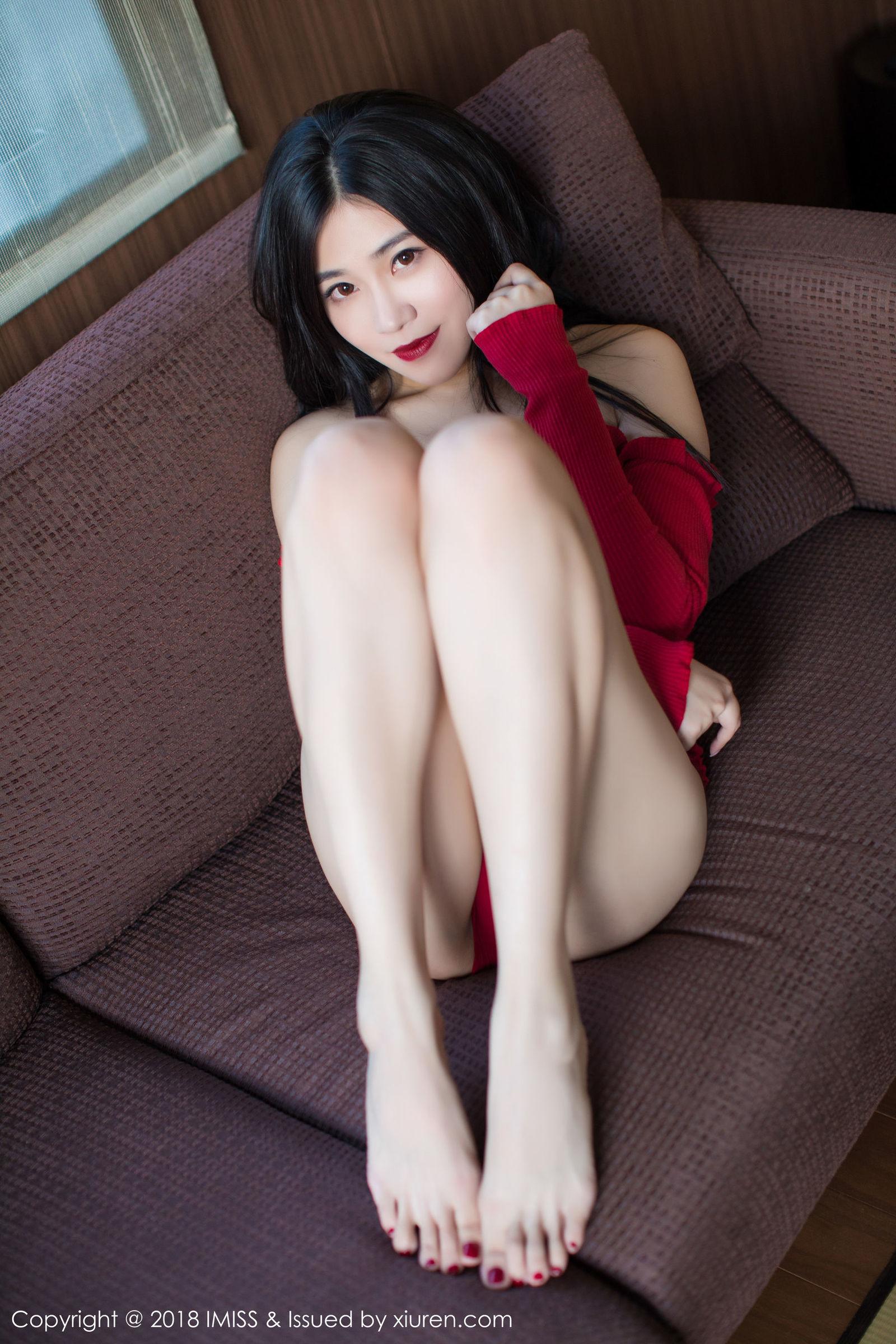 许诺Sabrina - 北海道旅拍黑丝美腿写真