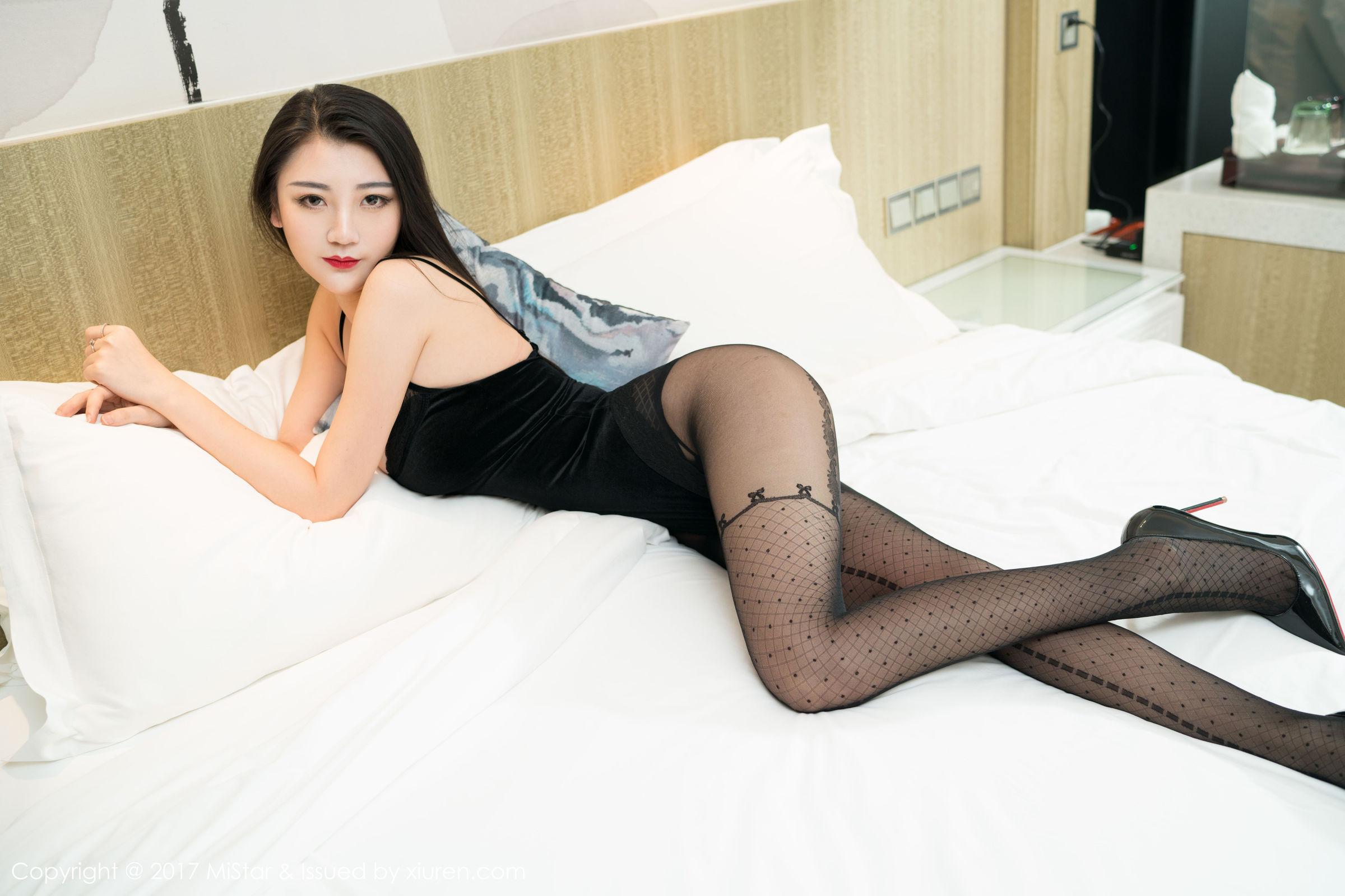 性感美女@刘懿萱Yoyo首套写真