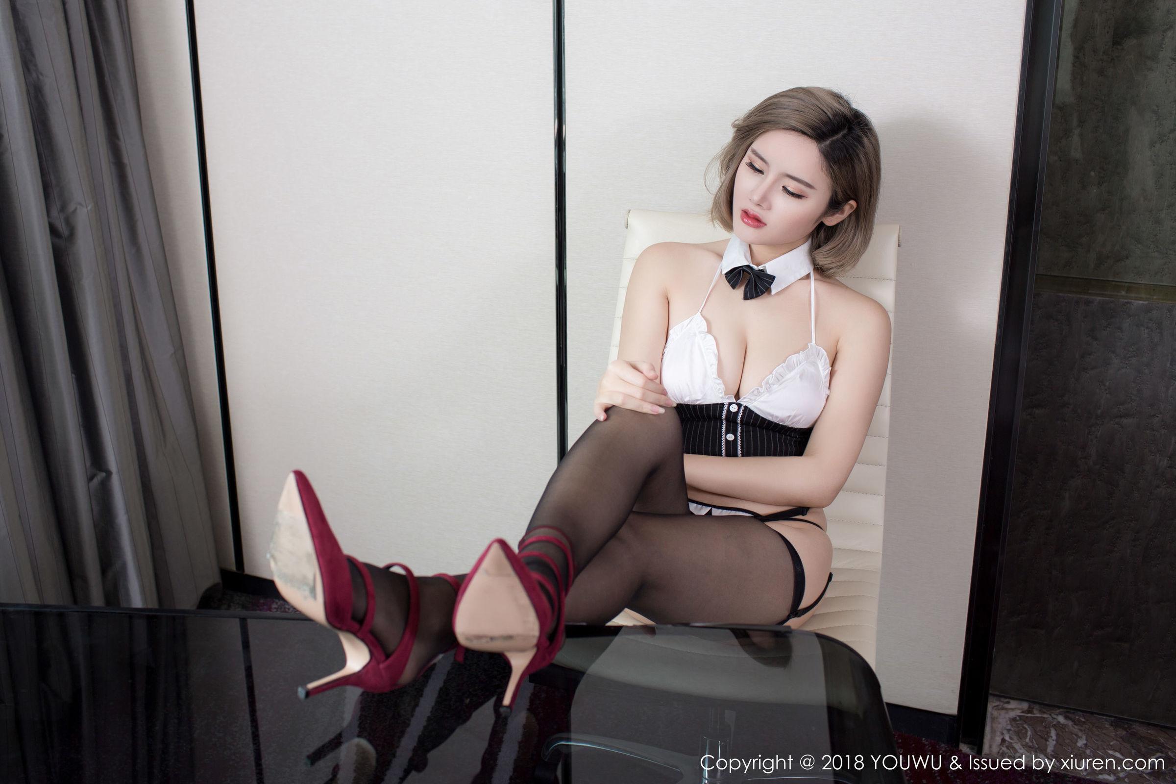 木木hanna - 性感黑丝吊袜写真