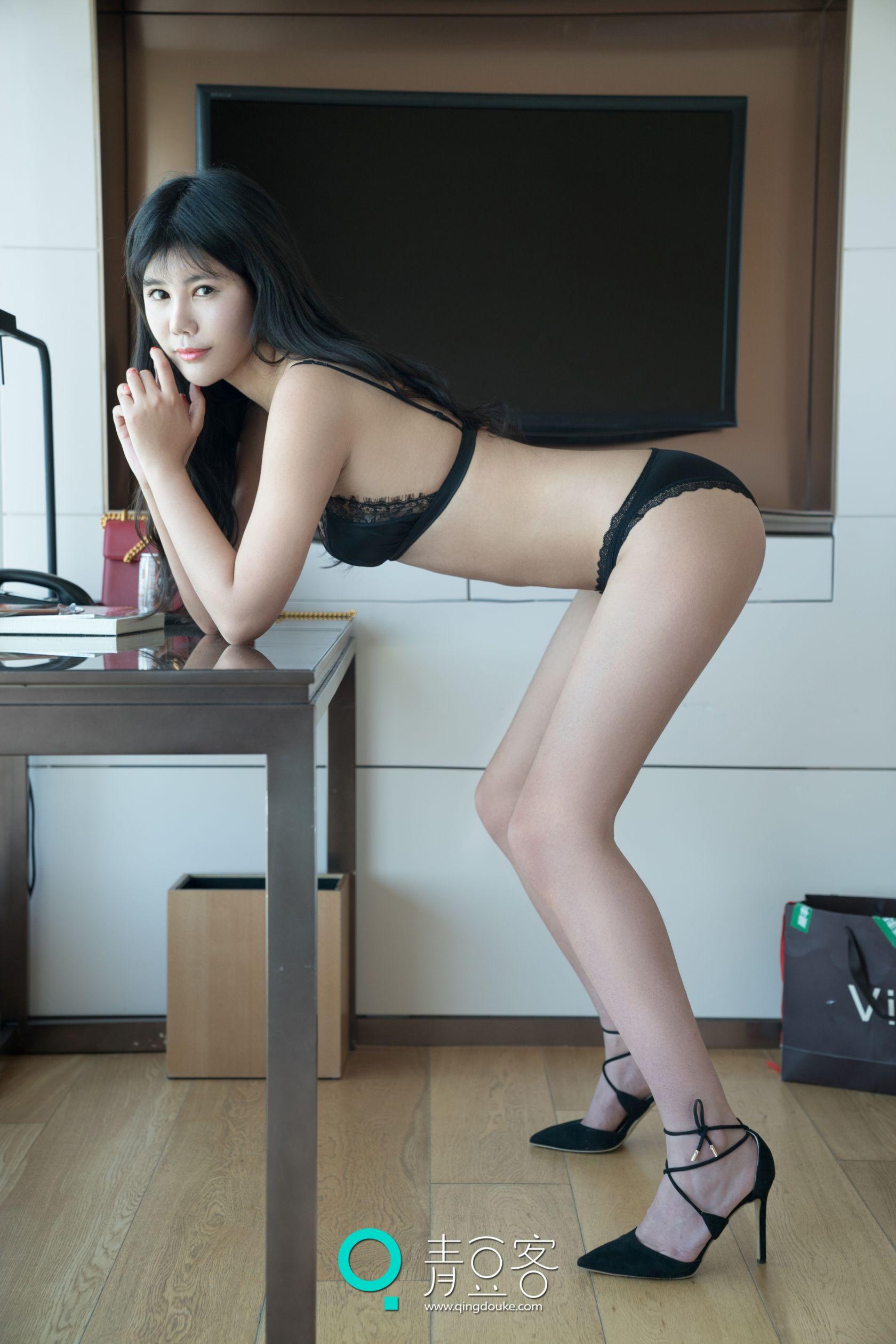 安沛蕾 - 高跟少妇的诱惑