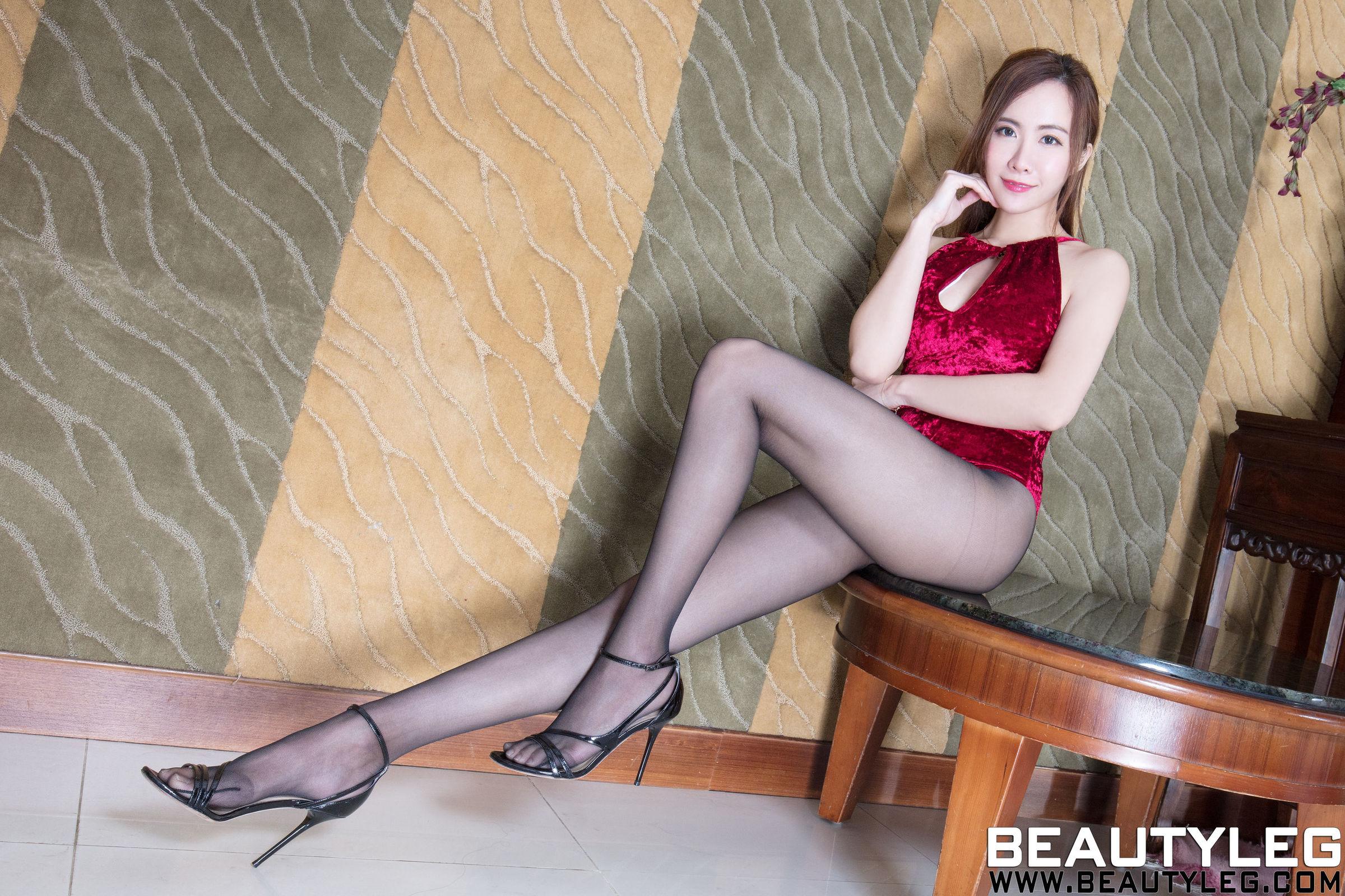 腿模Dora 丝袜美腿写真