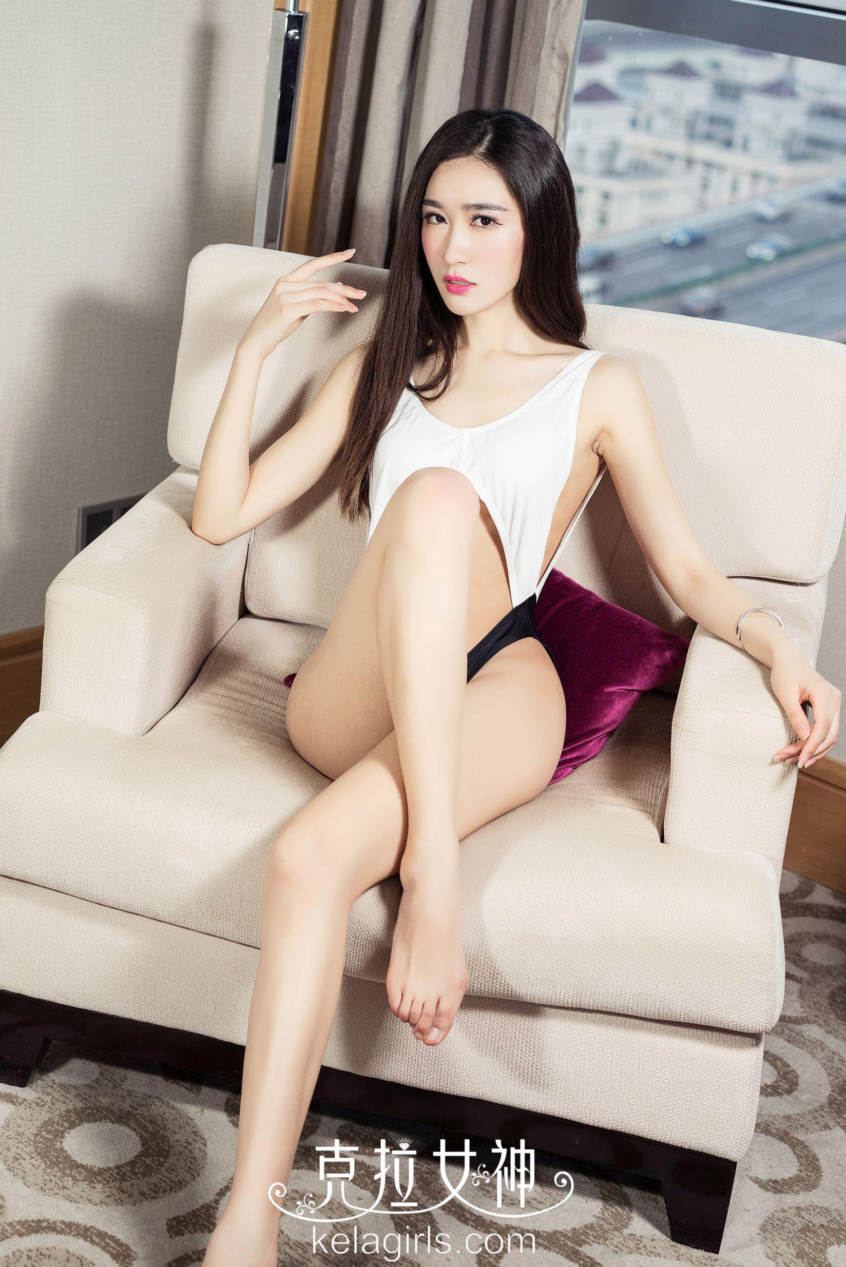 彤萱 - 夜幕下的精灵 写真图片