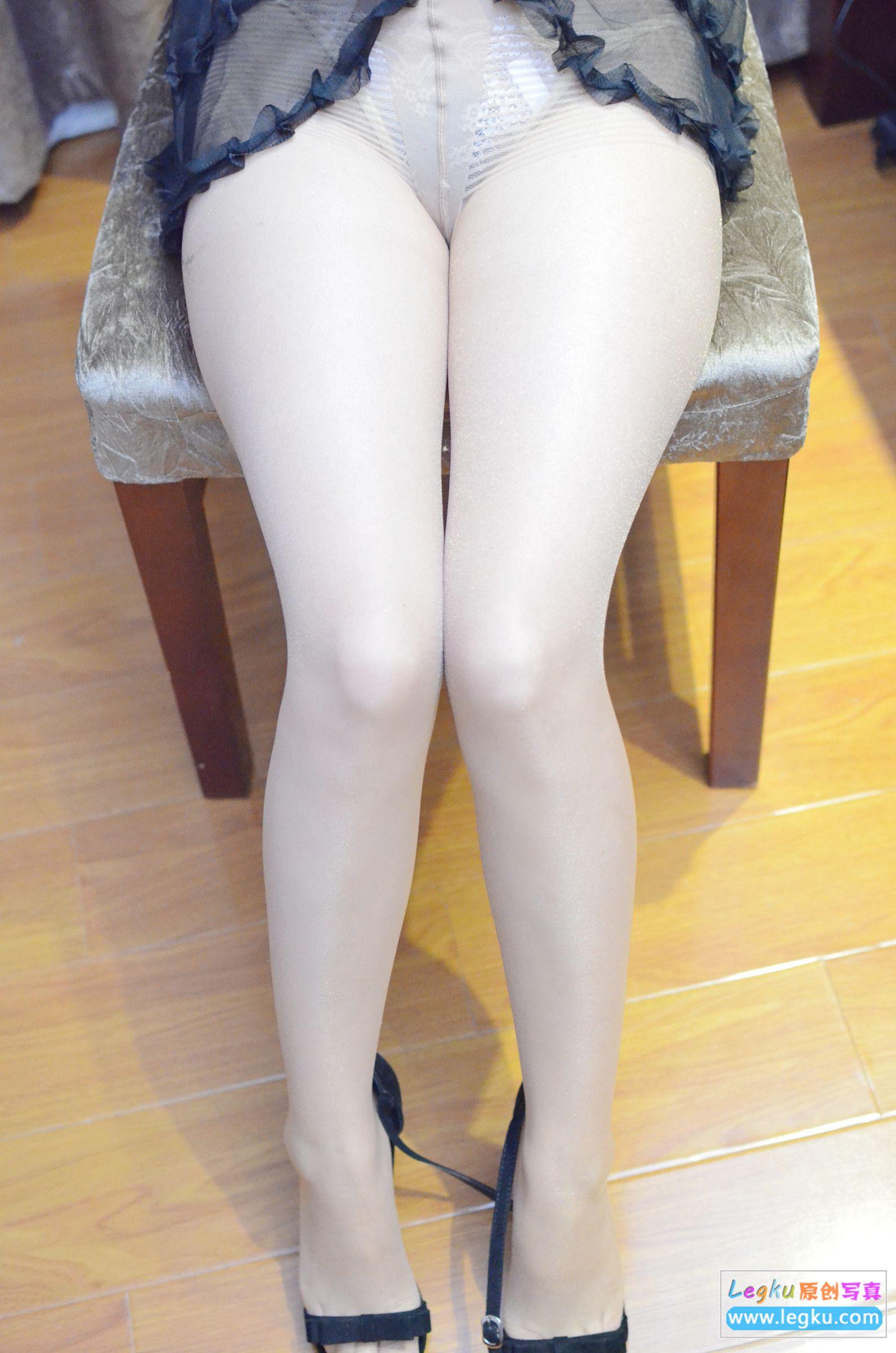 肉丝袜高跟美脚 写真套图