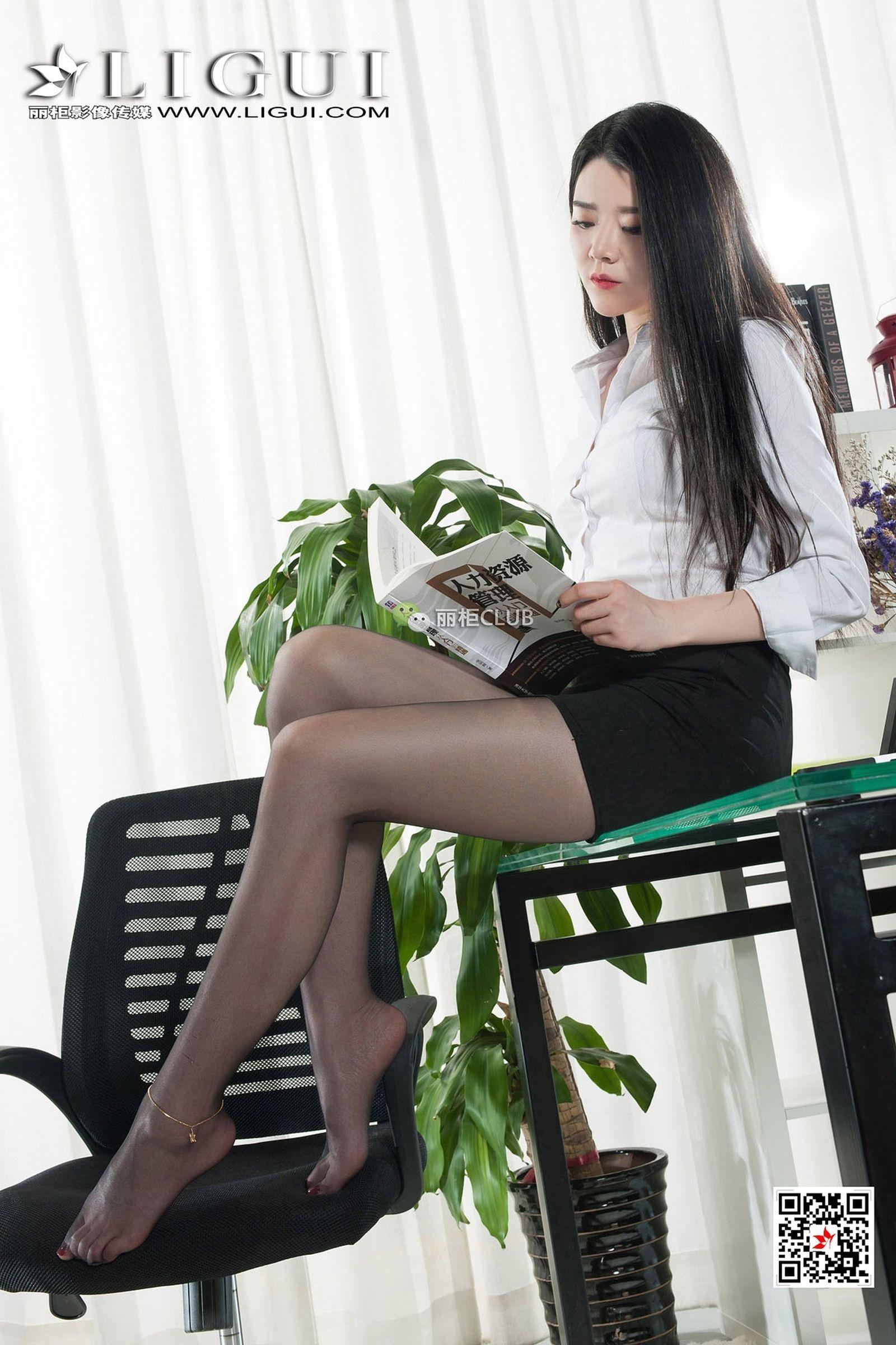 腿模KiKi 丝袜美腿丝足写真
