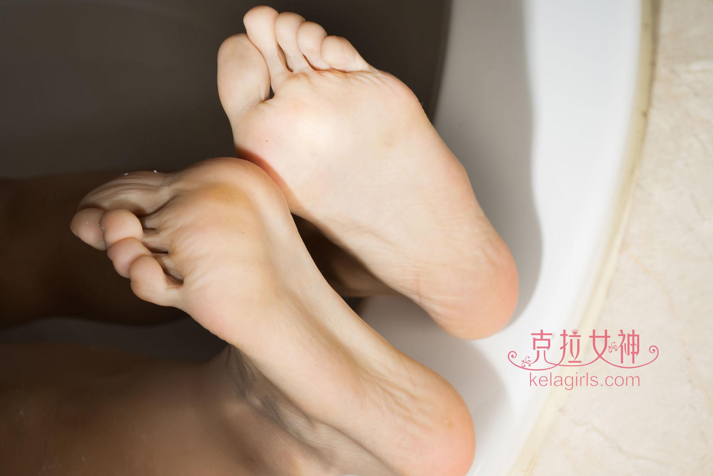 晓晓 - 浴足 写真套图