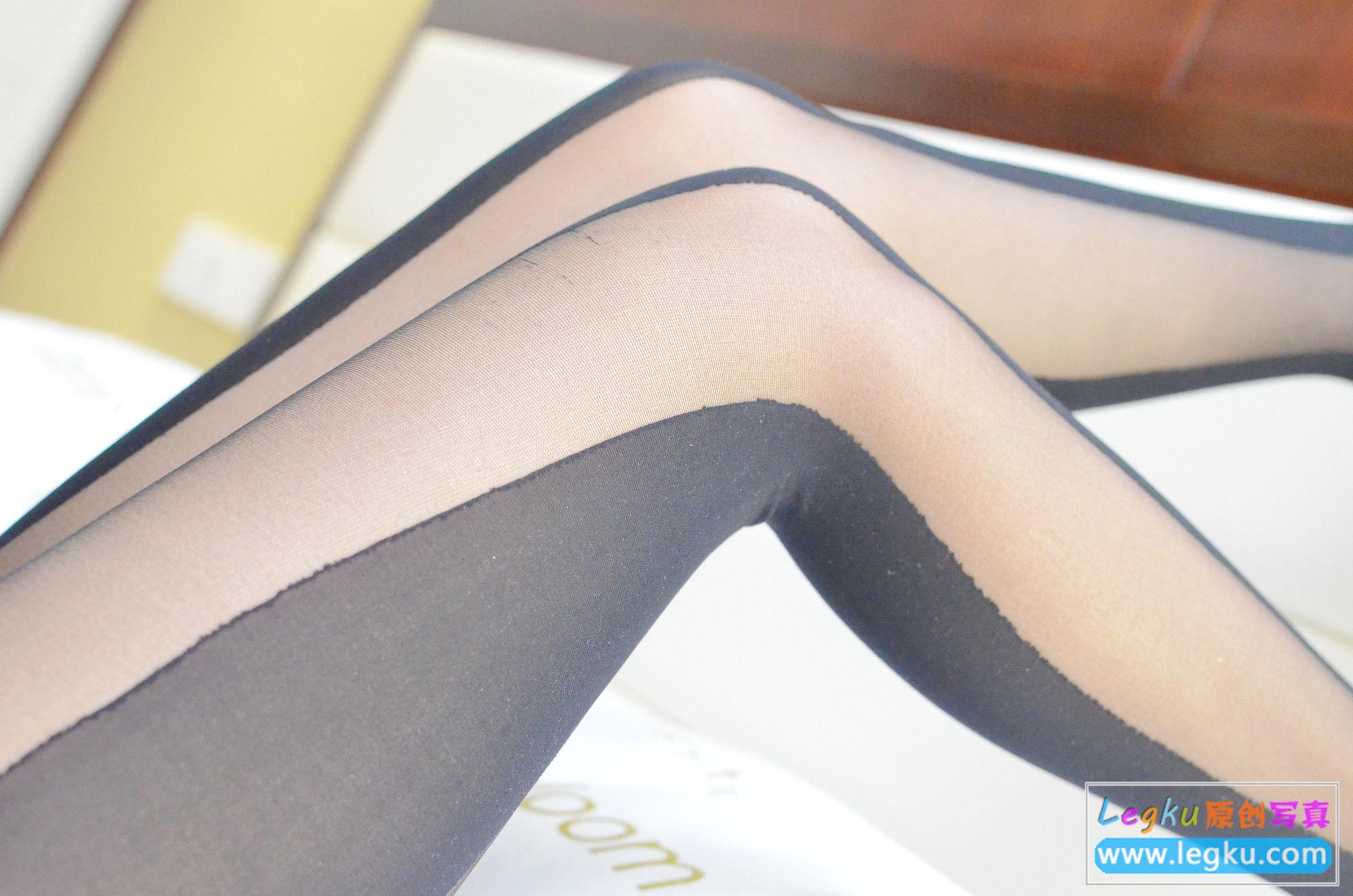 双色丝袜美腿+红高跟 写真套图