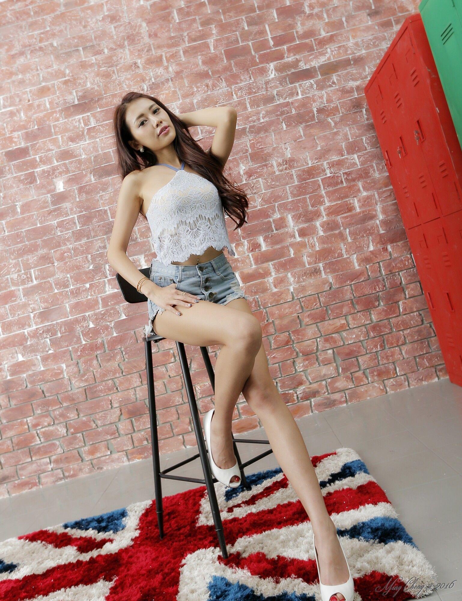 钱洪琳Jennifer(钱钱)  - 热裤+性感背心 写真图片