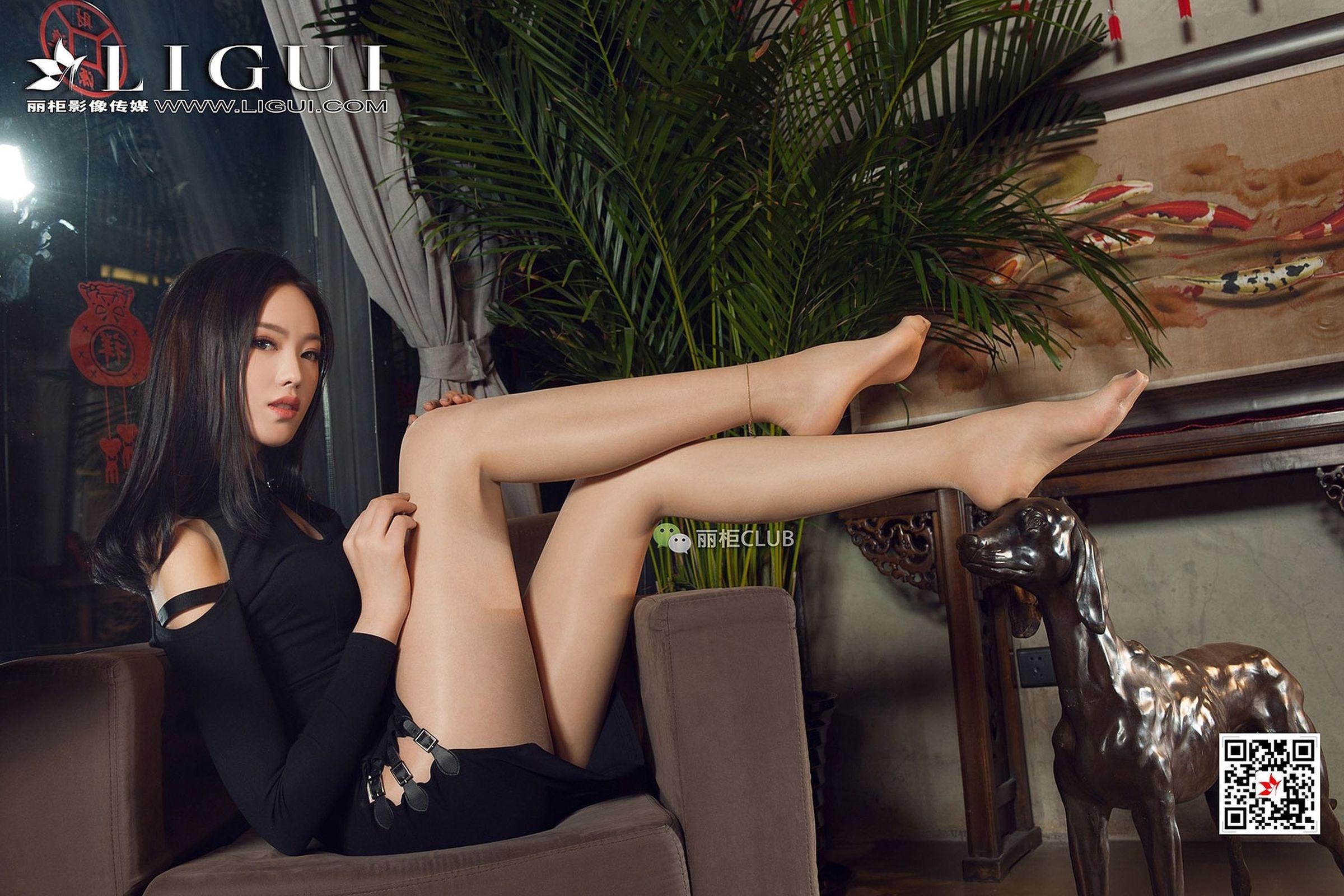 足模敏儿 丝袜美腿丝足写真