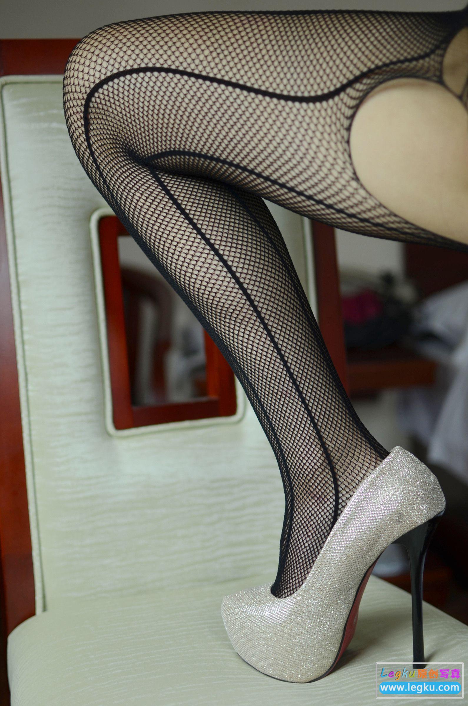 黑色网袜高跟 写真套图
