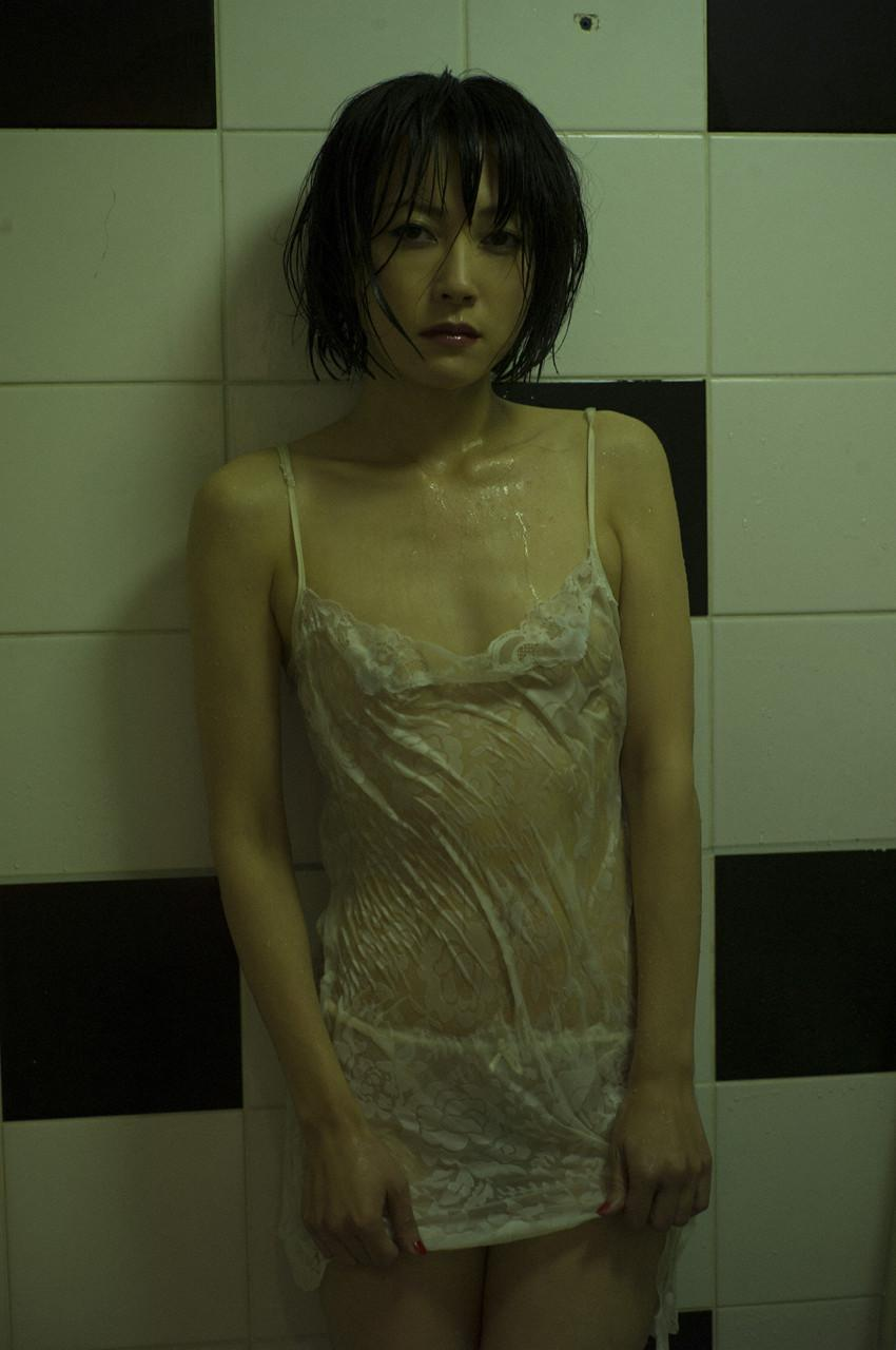 短发美女日常写真清纯的不要不要的