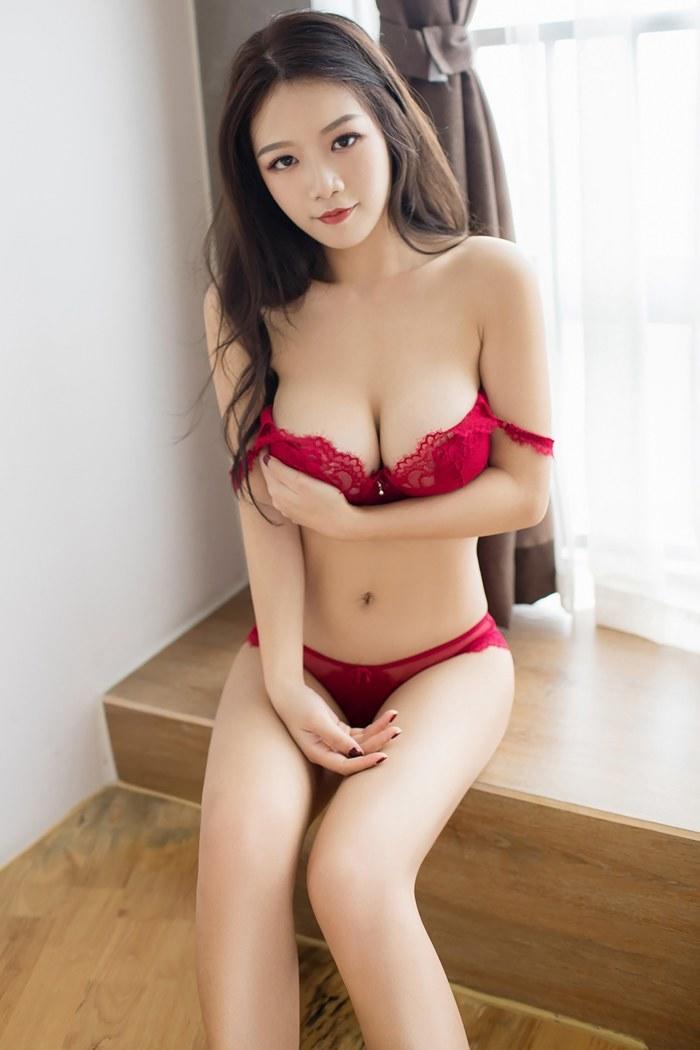 高颜值超正点美女爆乳E奶修长美腿翘屁股满满都是诱惑