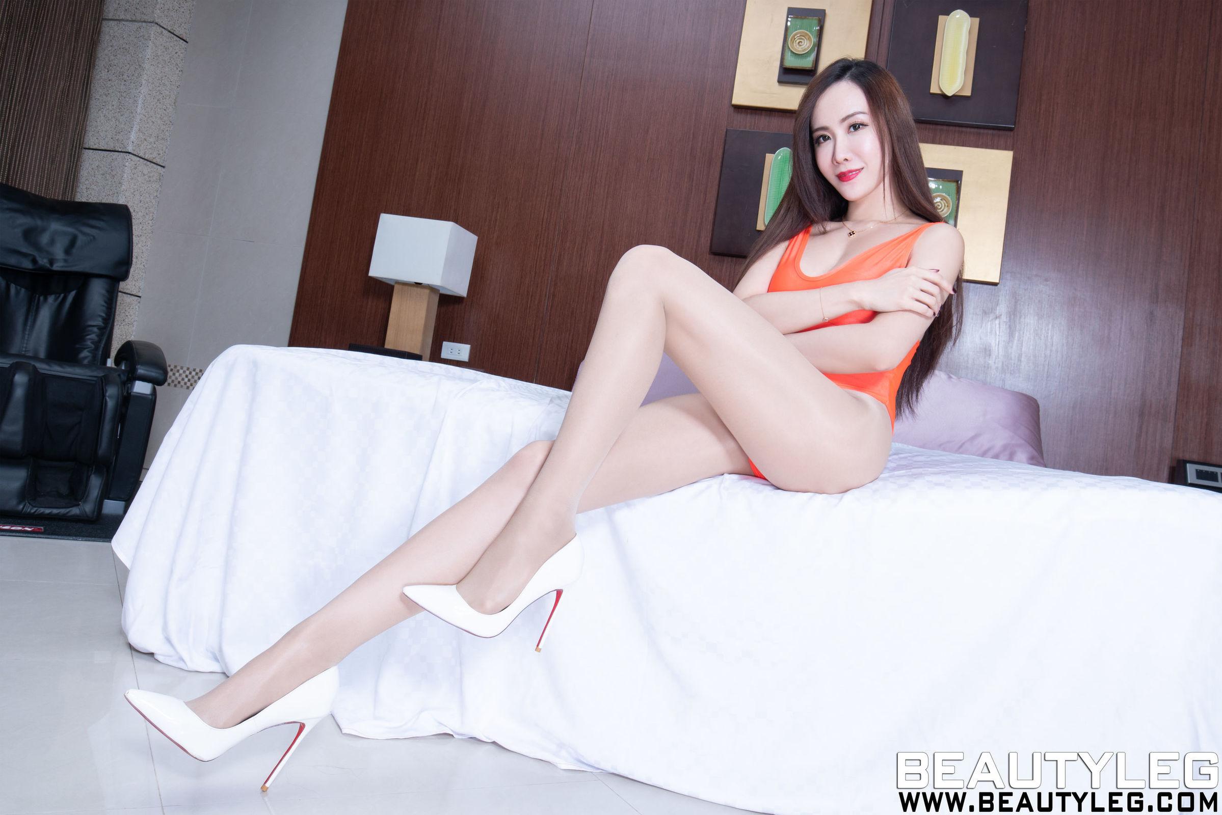 腿模Dora - 高叉+透视丝袜美腿写真