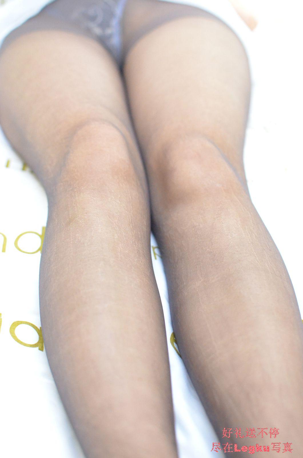白色蕾丝+黑丝美腿丝足 写真套图