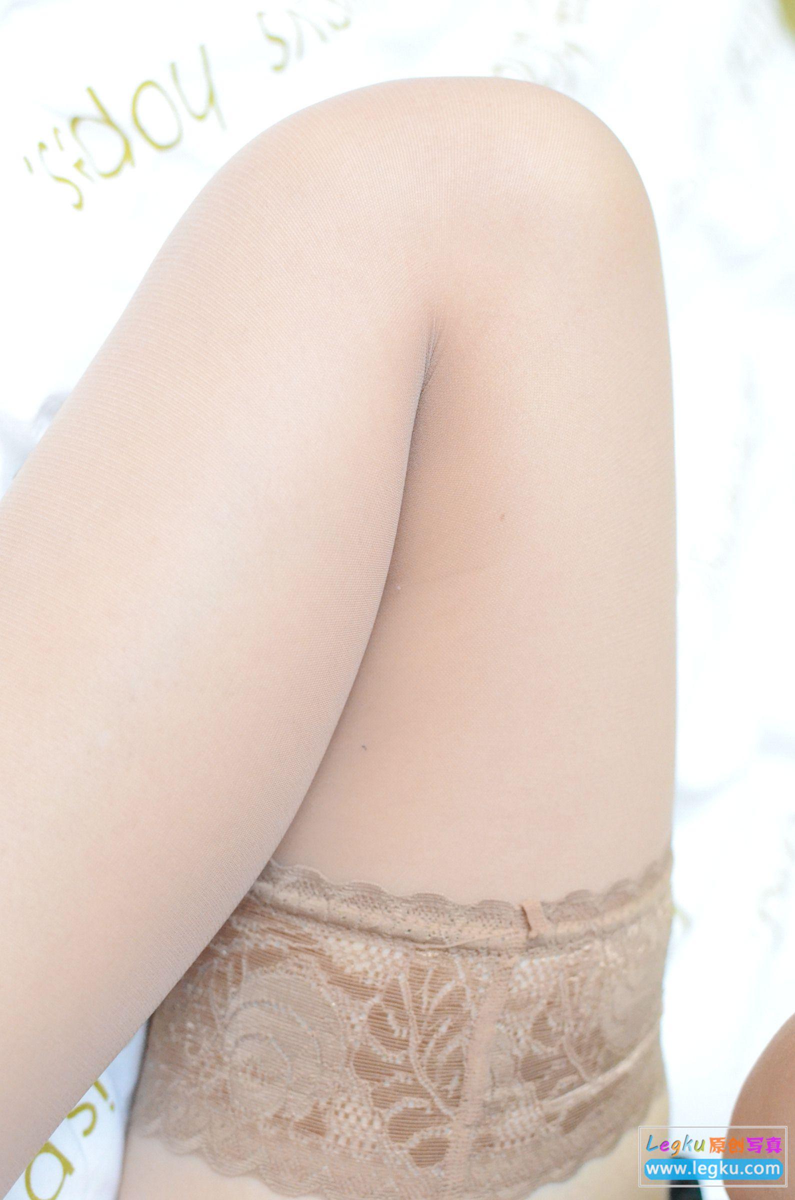 肉丝袜丝足诱惑 写真套图