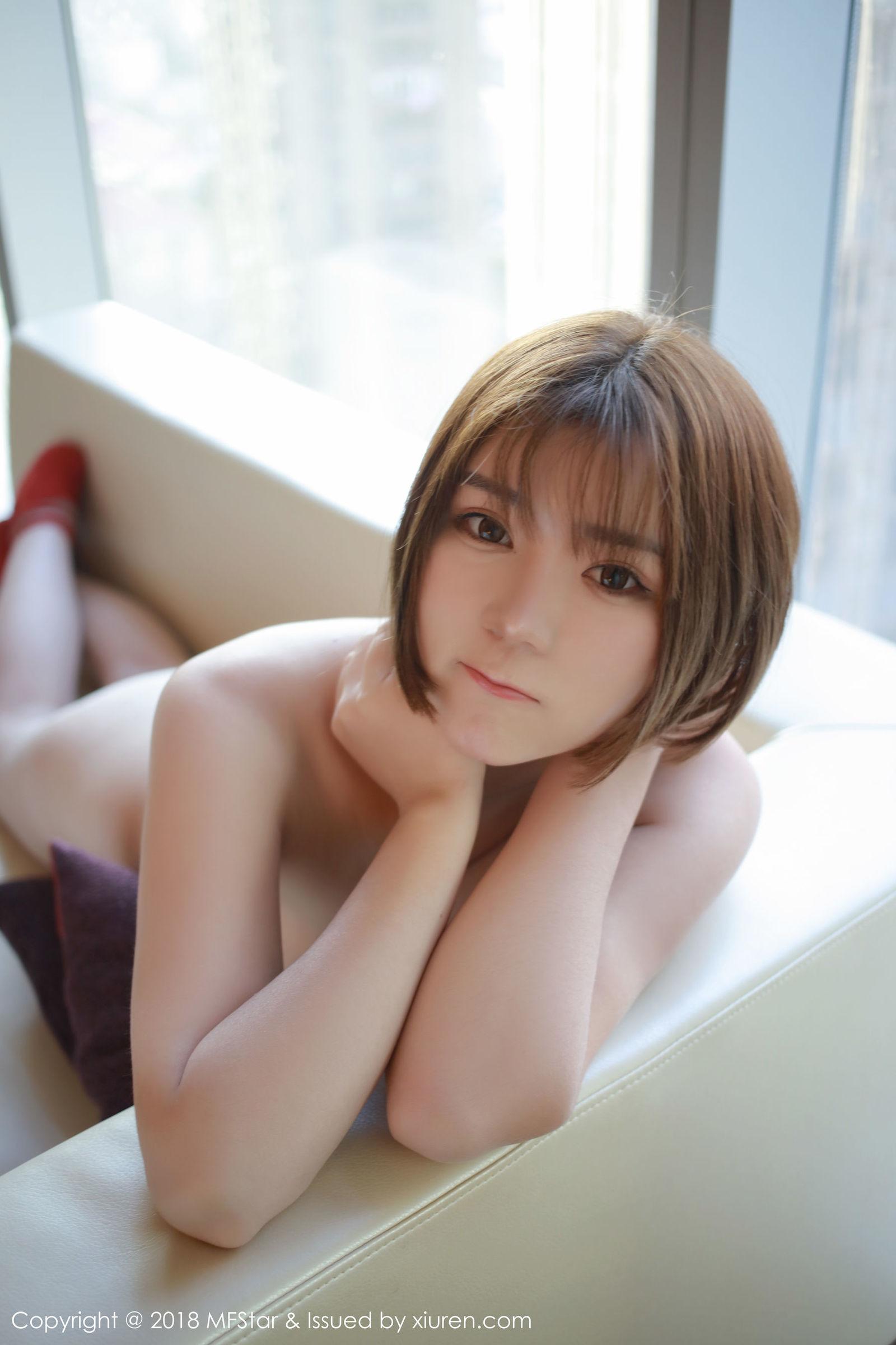 靓丽美女@冷不丁最新性感写真