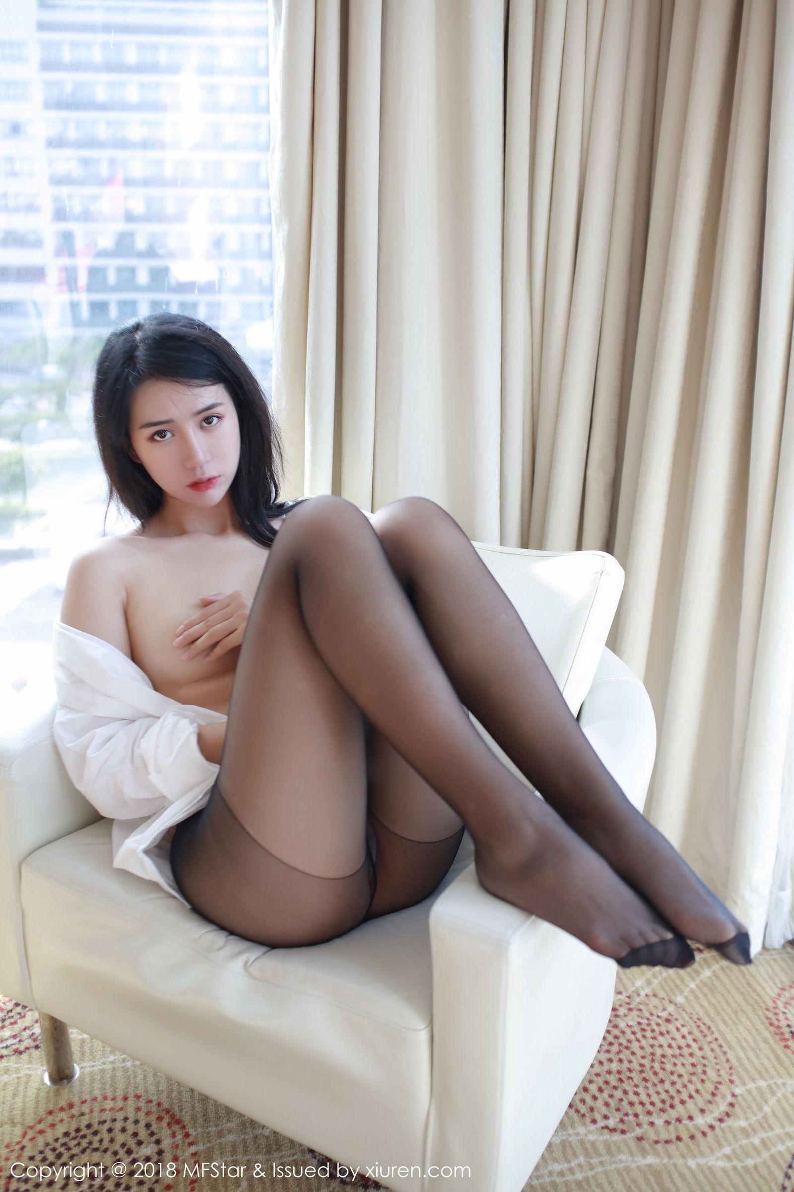 白子嫣nicky - 丝袜美腿诱惑
