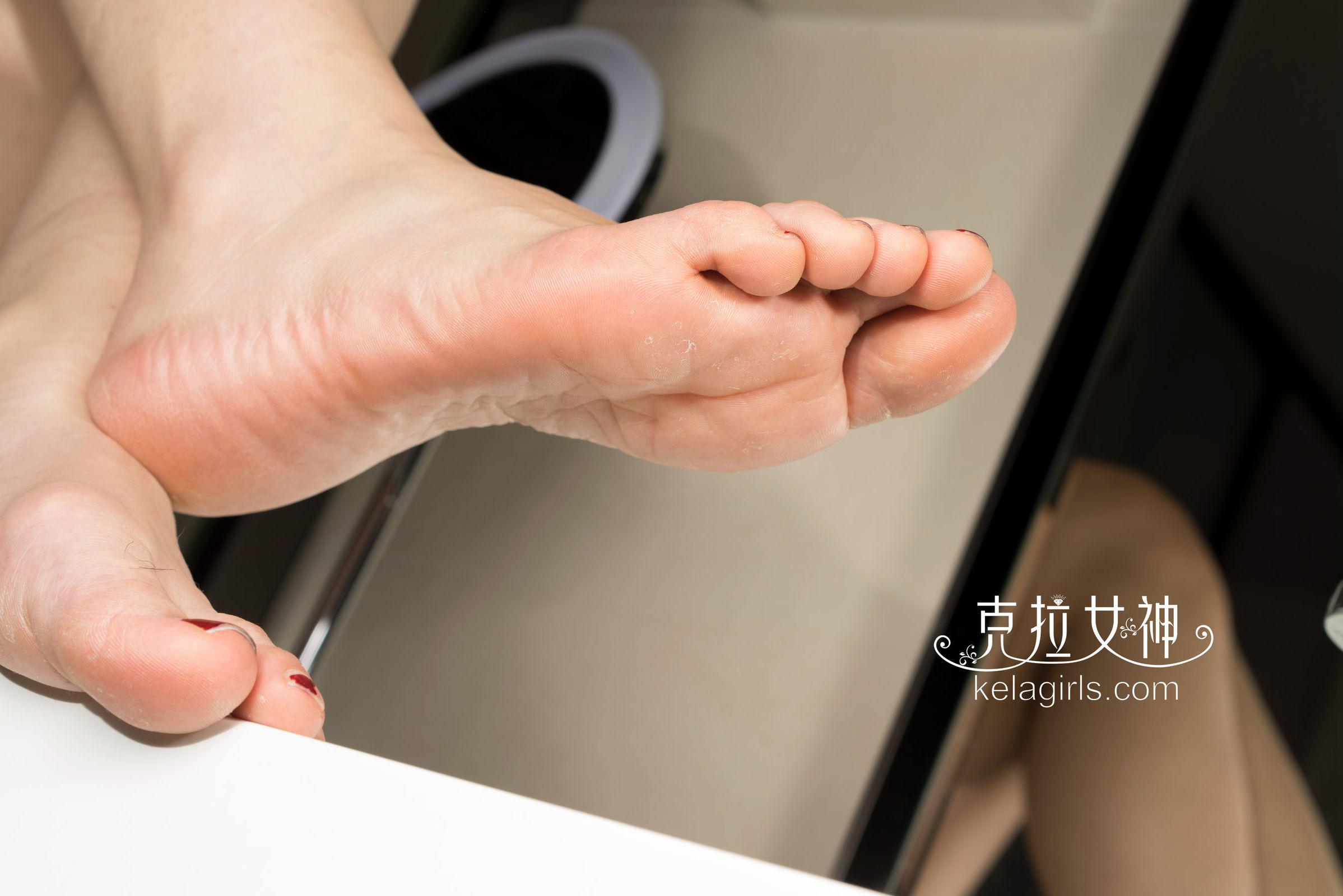 瑞莎 - 超模大脚板 写真套图