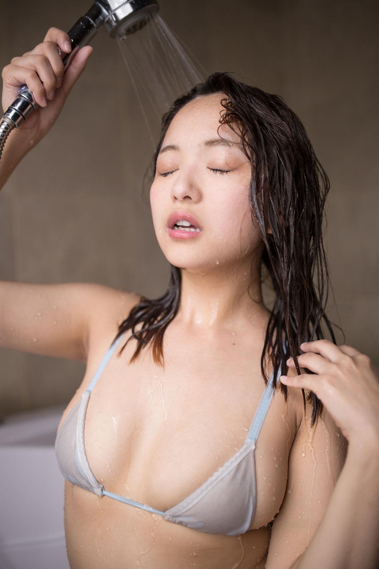 日本女优巨乳诱惑套图