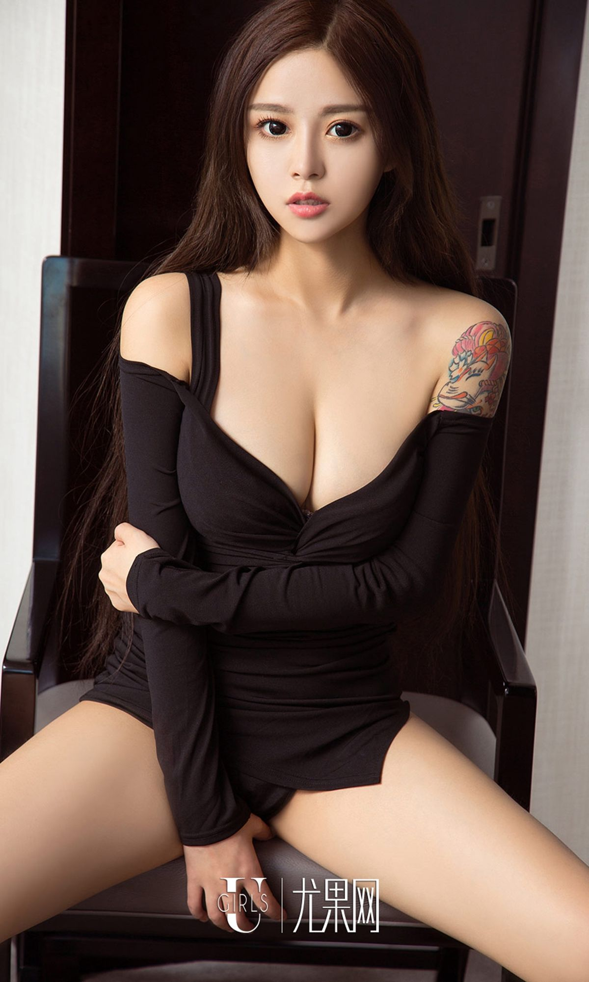 美女李焮苒 - 黑白空间 写真套图