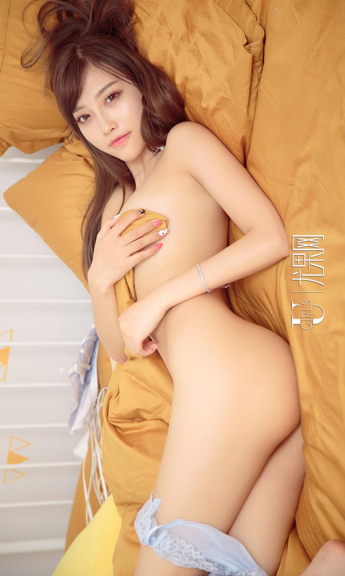 杨晨晨 - 性感美女柔情睡美人 写真