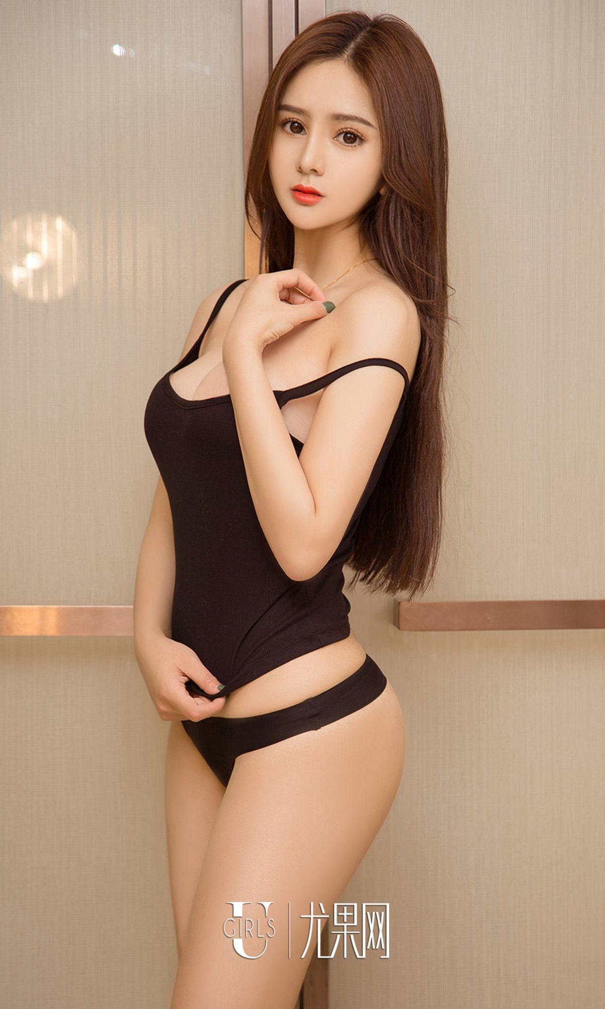 美女张多多 - 新春的阳光 写真套图
