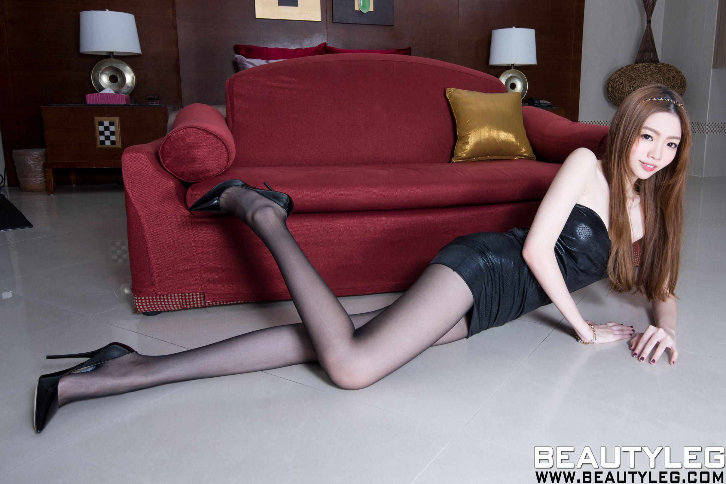 御姐女神~长腿性感套图