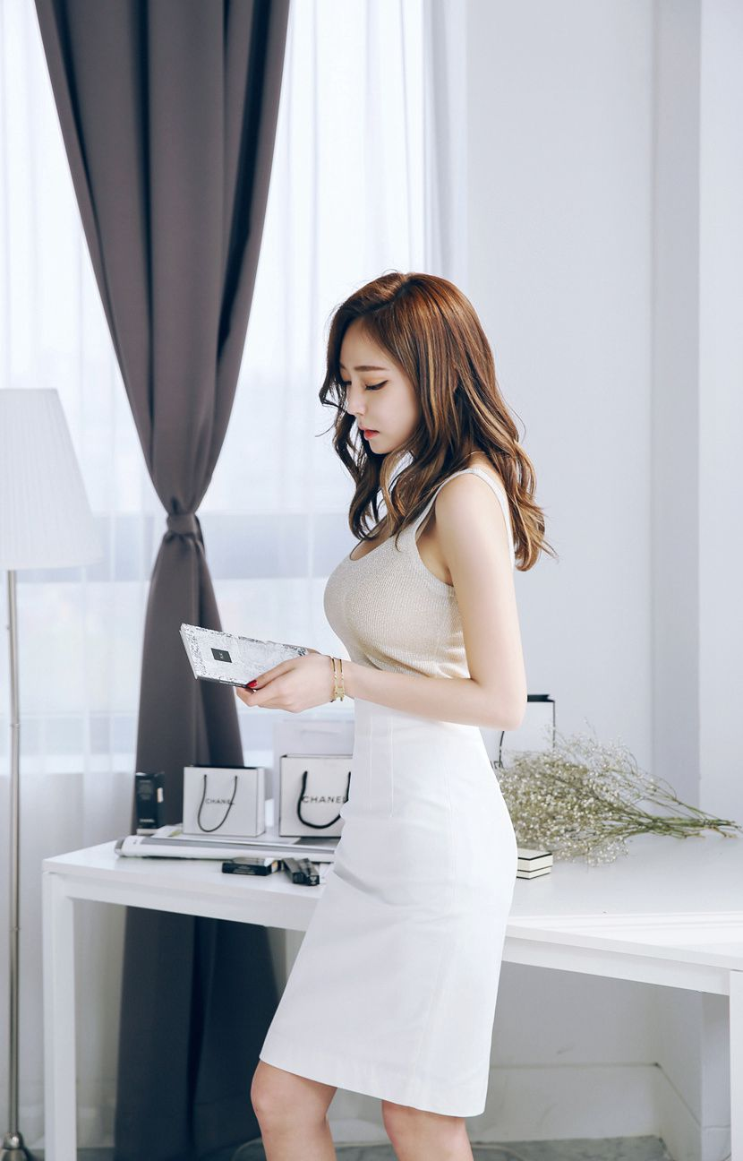 气质儒雅的韩国美女少妇